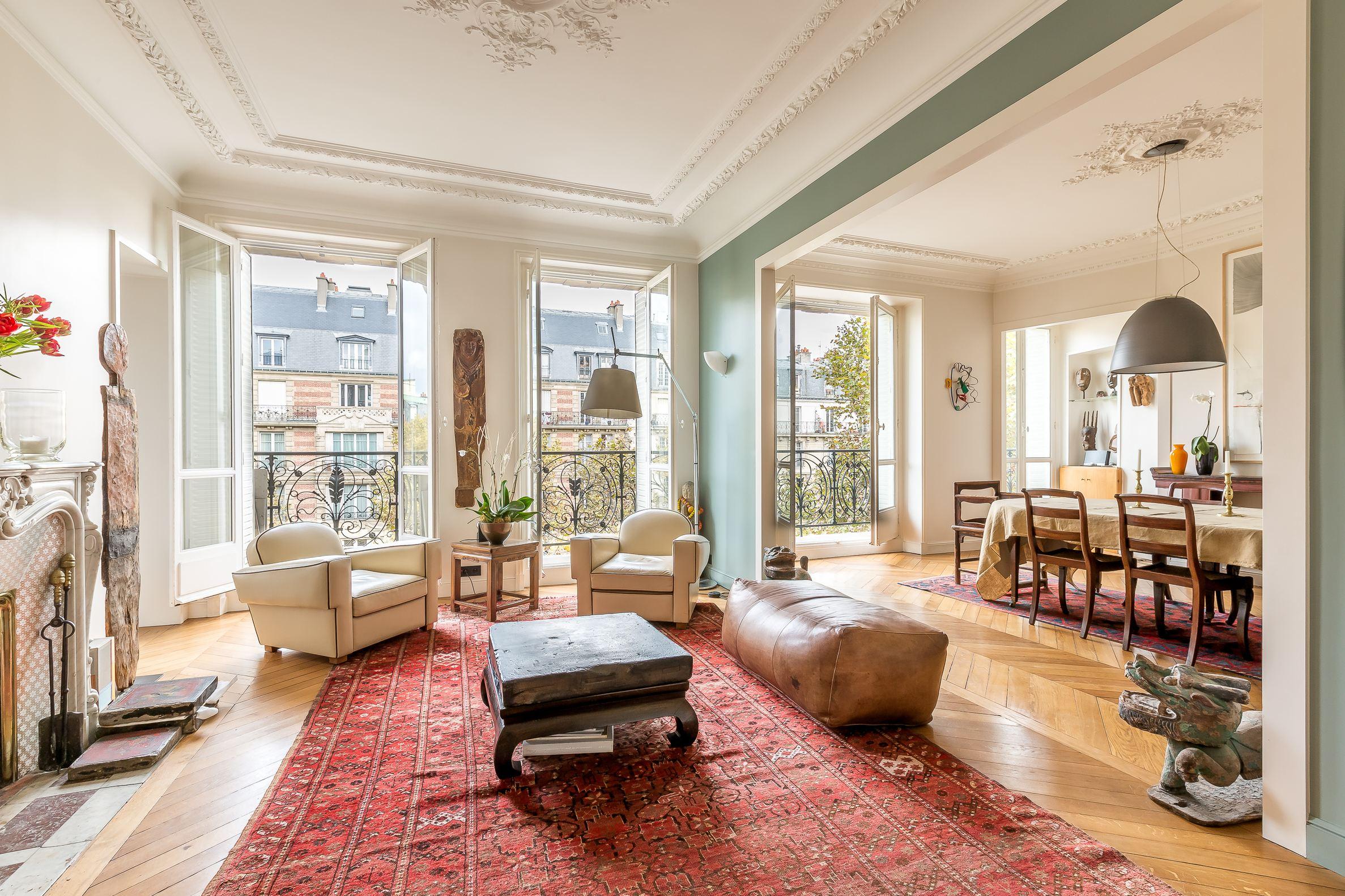 sales property at Vavin - Montparnasse : Elegant renovated apartment