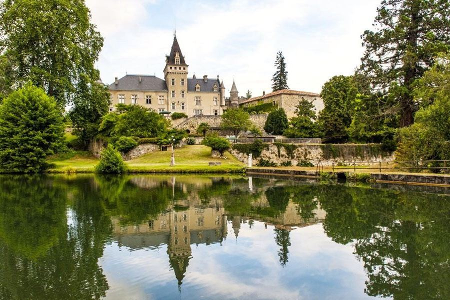 Property For Sale at STUNNING HISTORICAL ESTATE - SW FRANCE - 1h30 from Bordeaux