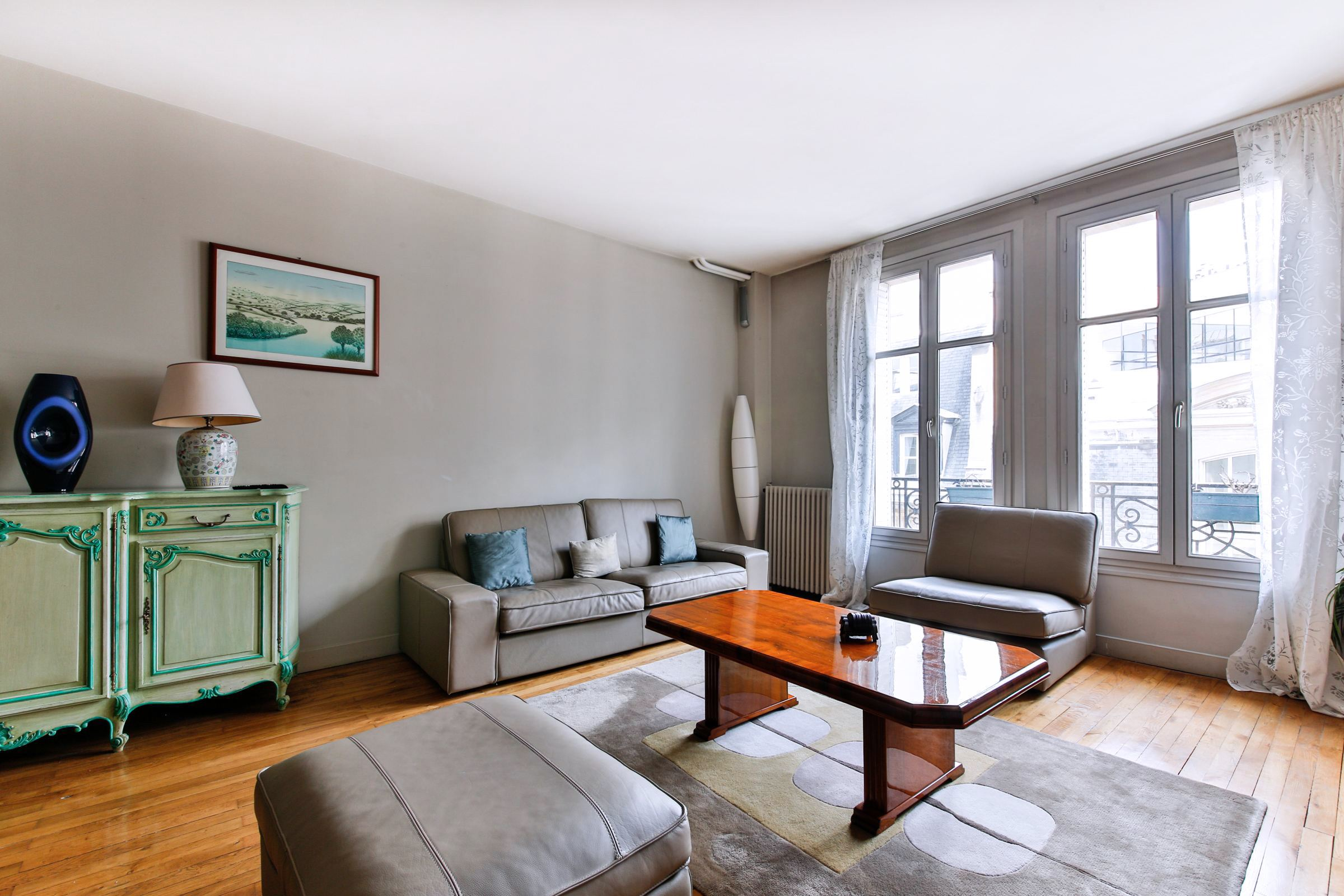 Property For Sale at Paris 8 - Parc Monceau . Apartment. Excellent condition