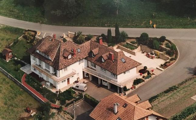 Single Family Home for Sale at VILLA NEAR EVIAN 300 M2 WITH VIEW ON THE LAKE Lugrin, Rhone-Alpes, 74500 France
