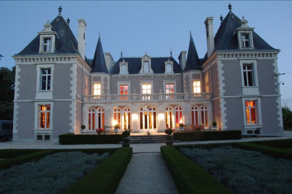 sales property at Castle in Deux Sévres