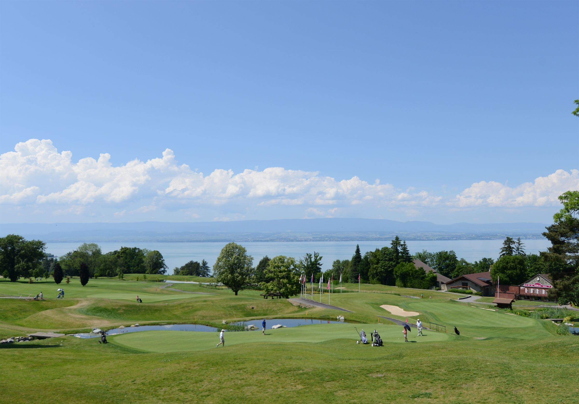 アパート のために 売買 アット Half flat-half villa at the hearth of Evian championship course Evian Les Bains, ローヌ・アルプ, 74500 フランス