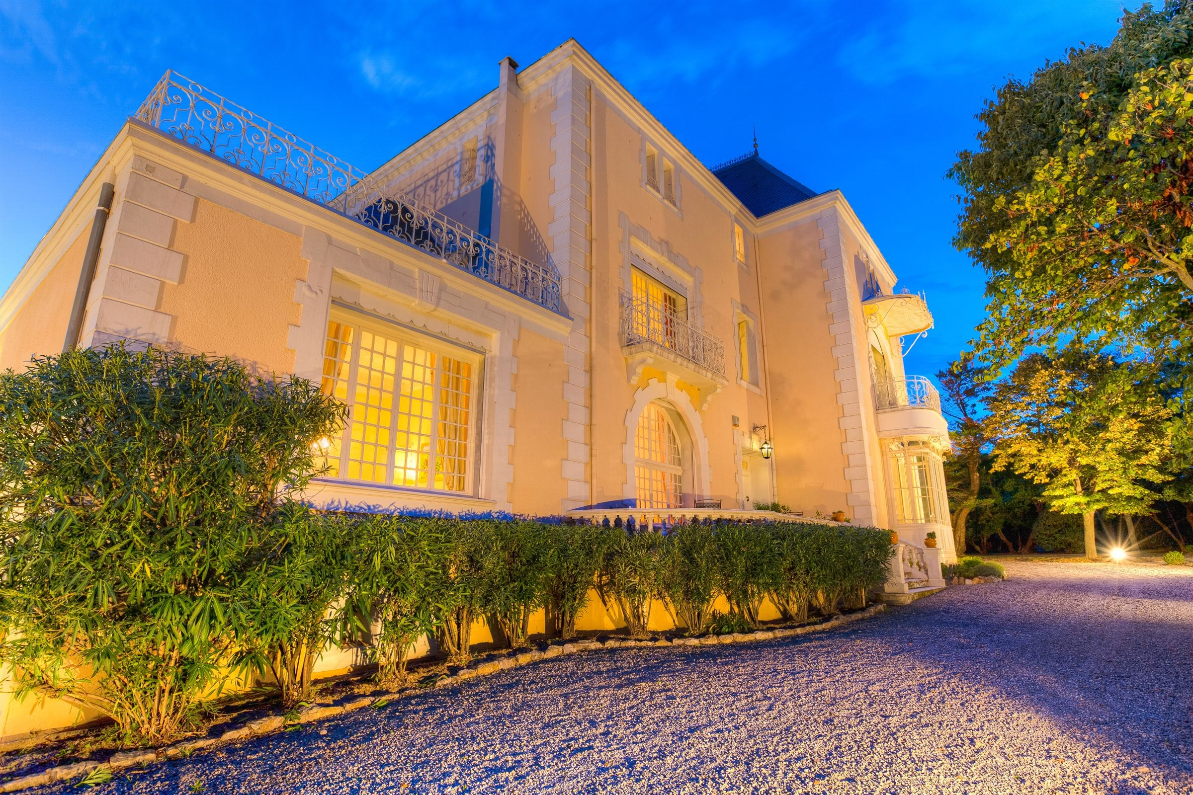 Single Family Home for Sale at NARBONNE, ELEGANT CHÂTEAU Narbonne, Languedoc-Roussillon, 11100 France