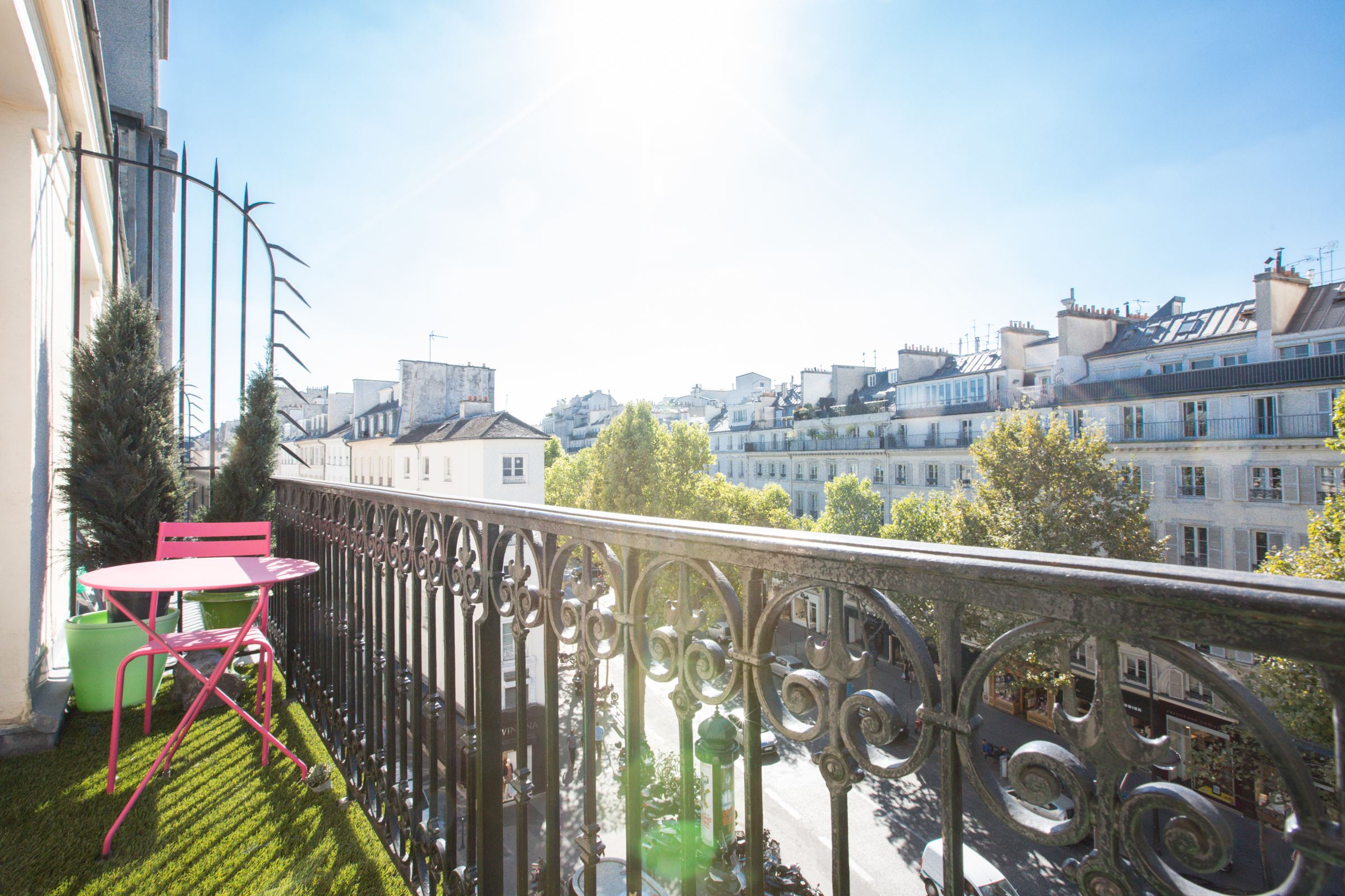 아파트 용 매매 에 Paris 9 - Madeleine. A contemporary duplex apartment on the top floors Paris, 파리 75009 프랑스