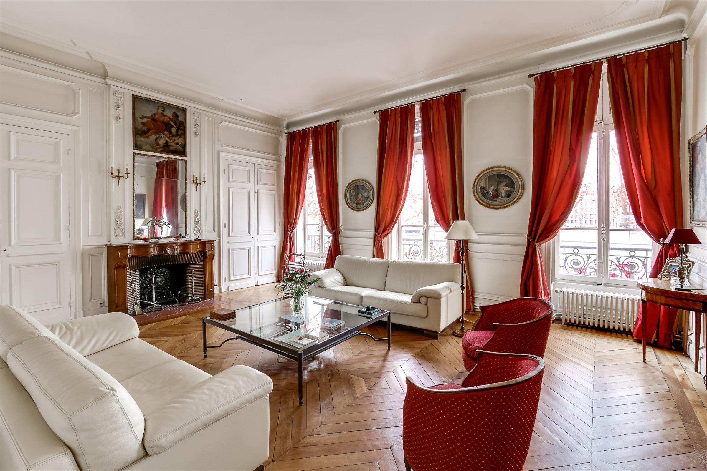 sales property at LYON 3ème PREFECTURE - QUAIS DU RHÔNE