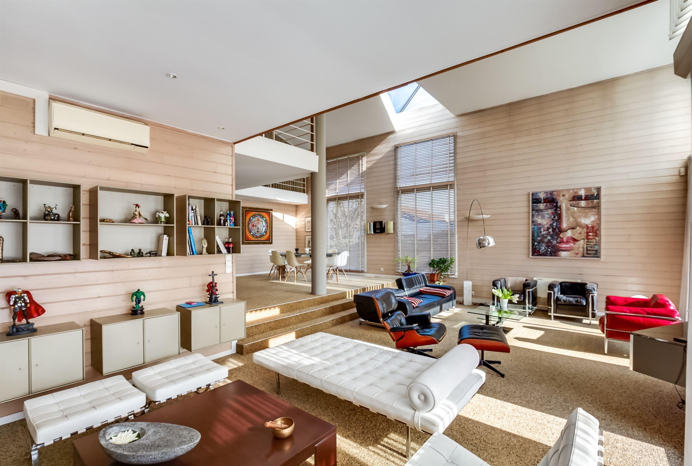 Single Family Home for Sale at BORDEAUX METROPOLE SUPERBE MAISON D'ARCHITECTE Bordeaux, Aquitaine, 33000 France