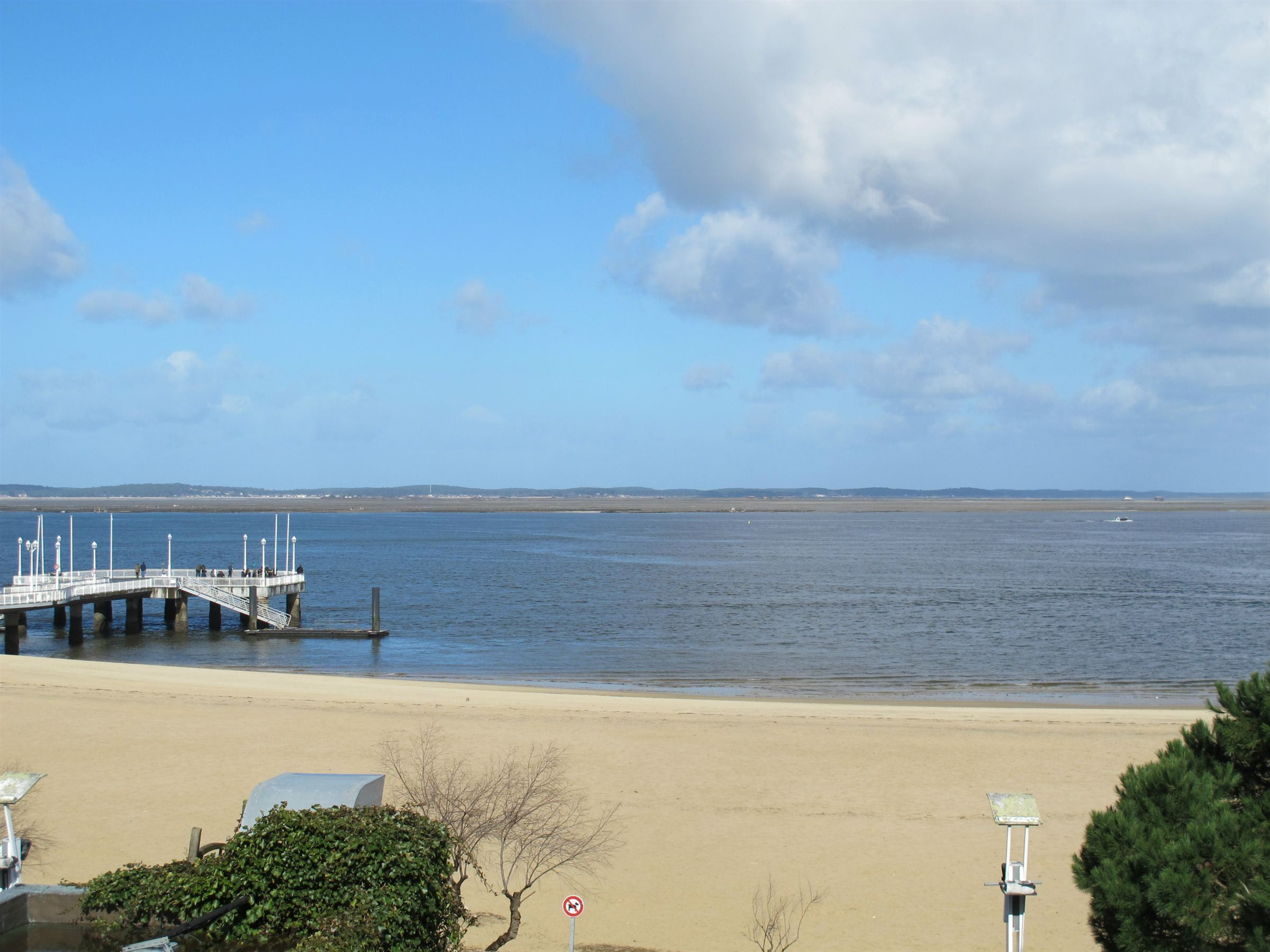 sales property at ARCACHON – DOWNTOWN - FRONT LINE APARTMENT & STUDIO