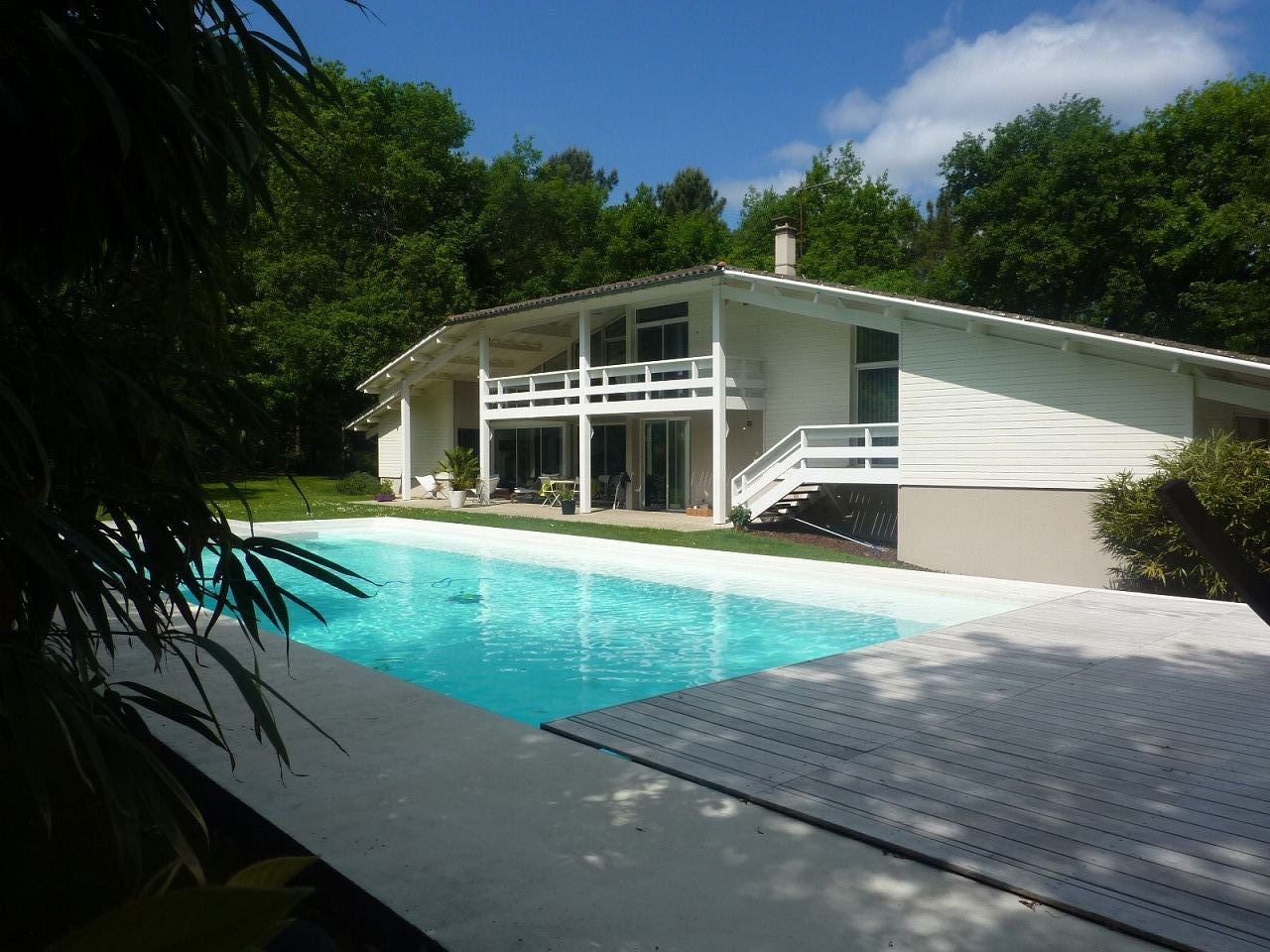 Single Family Home for Sale at BORDEAUX REGION - ON THE WAY TO THE BAY OF ARCACHON -BEAUTIFUL ARCHITECT HOME Bordeaux, Aquitaine, 33000 France