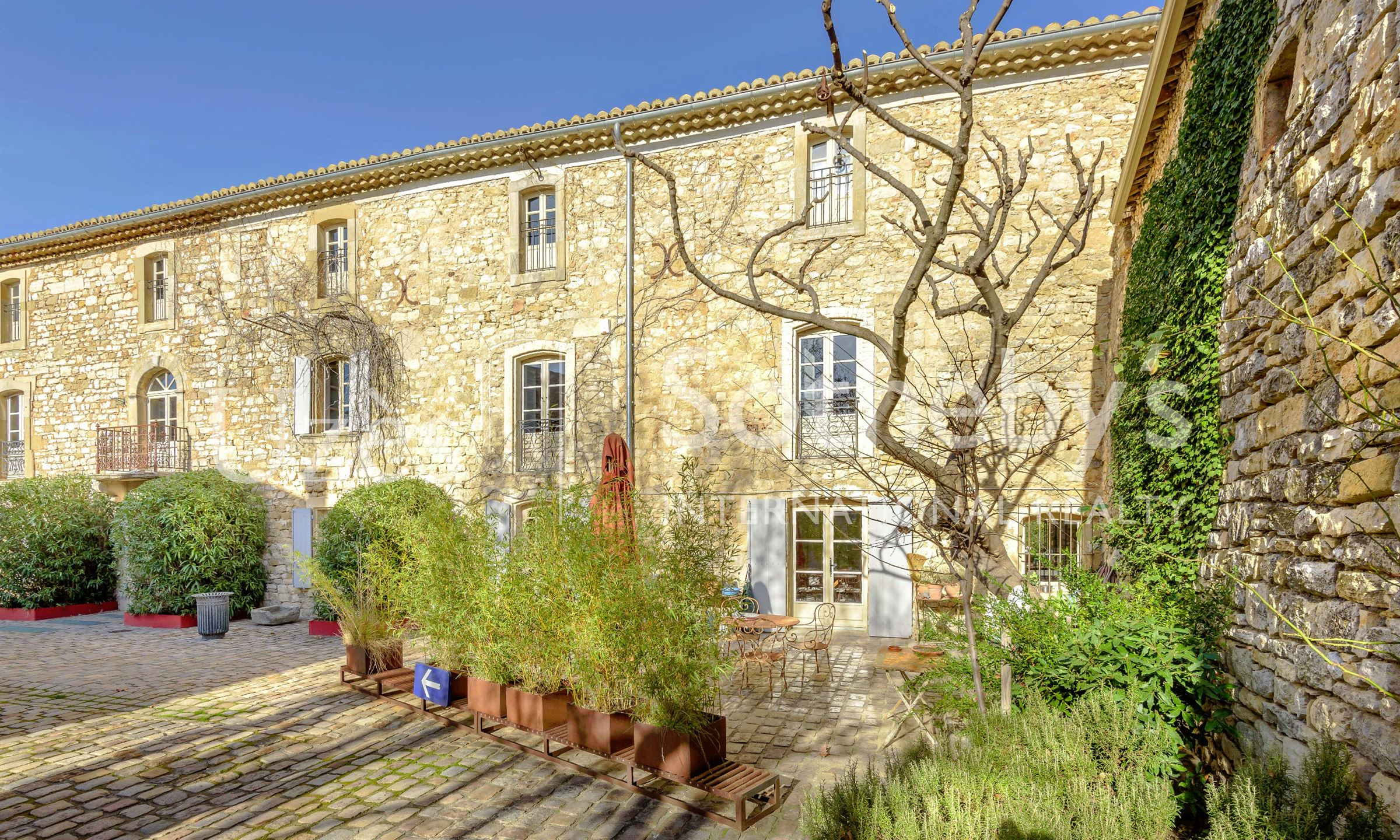 Property For Sale at NEAR UZES, EXCEPTIONAL PROPERTY