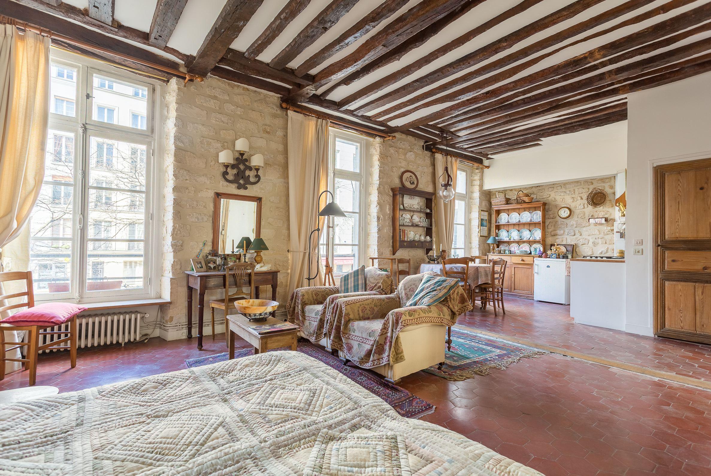 sales property at MARAIS – PLACE DU MARCHÉ STE CATHERINE