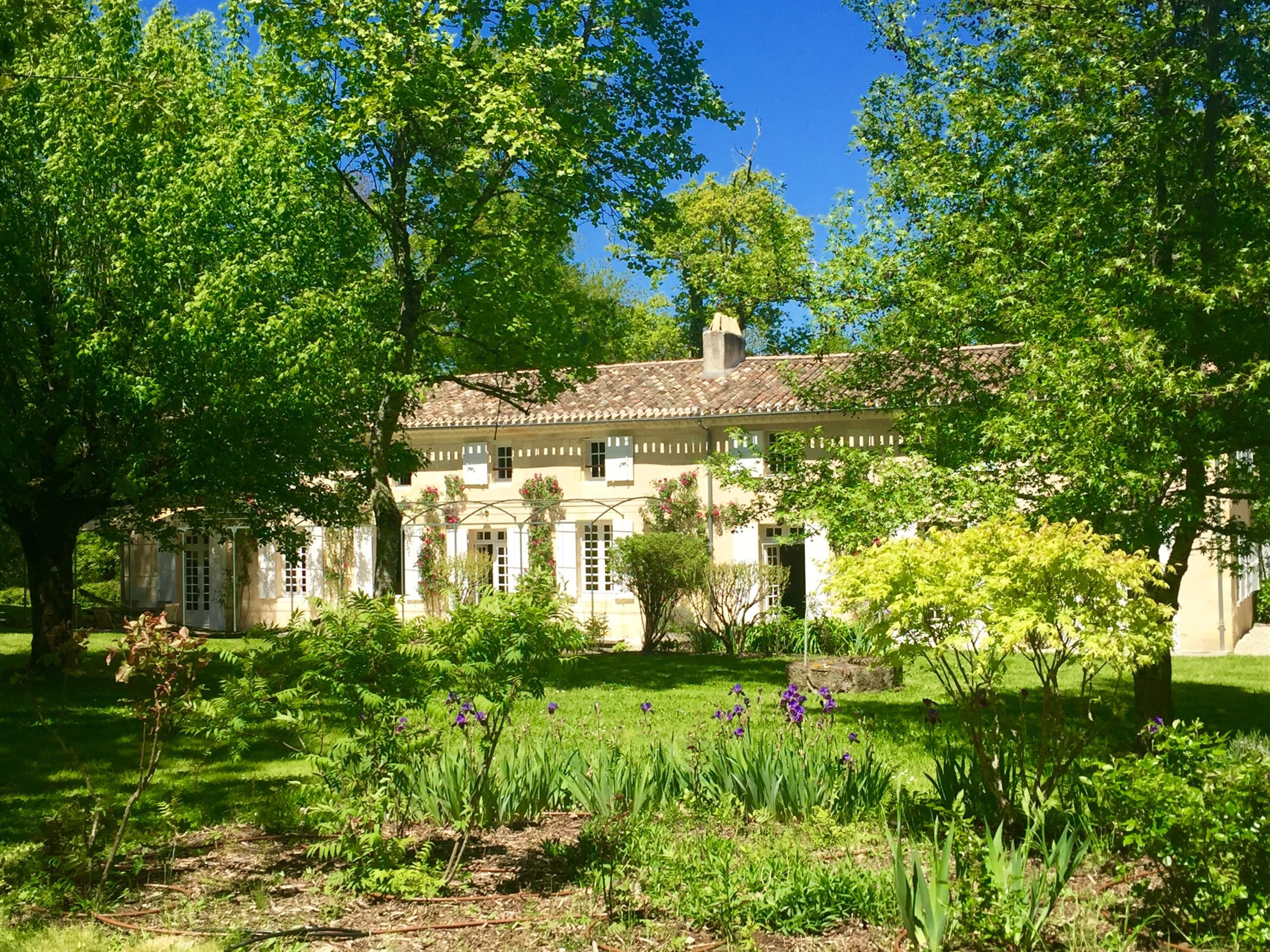Single Family Home for Sale at House Bordeaux, Aquitaine, 33000 France