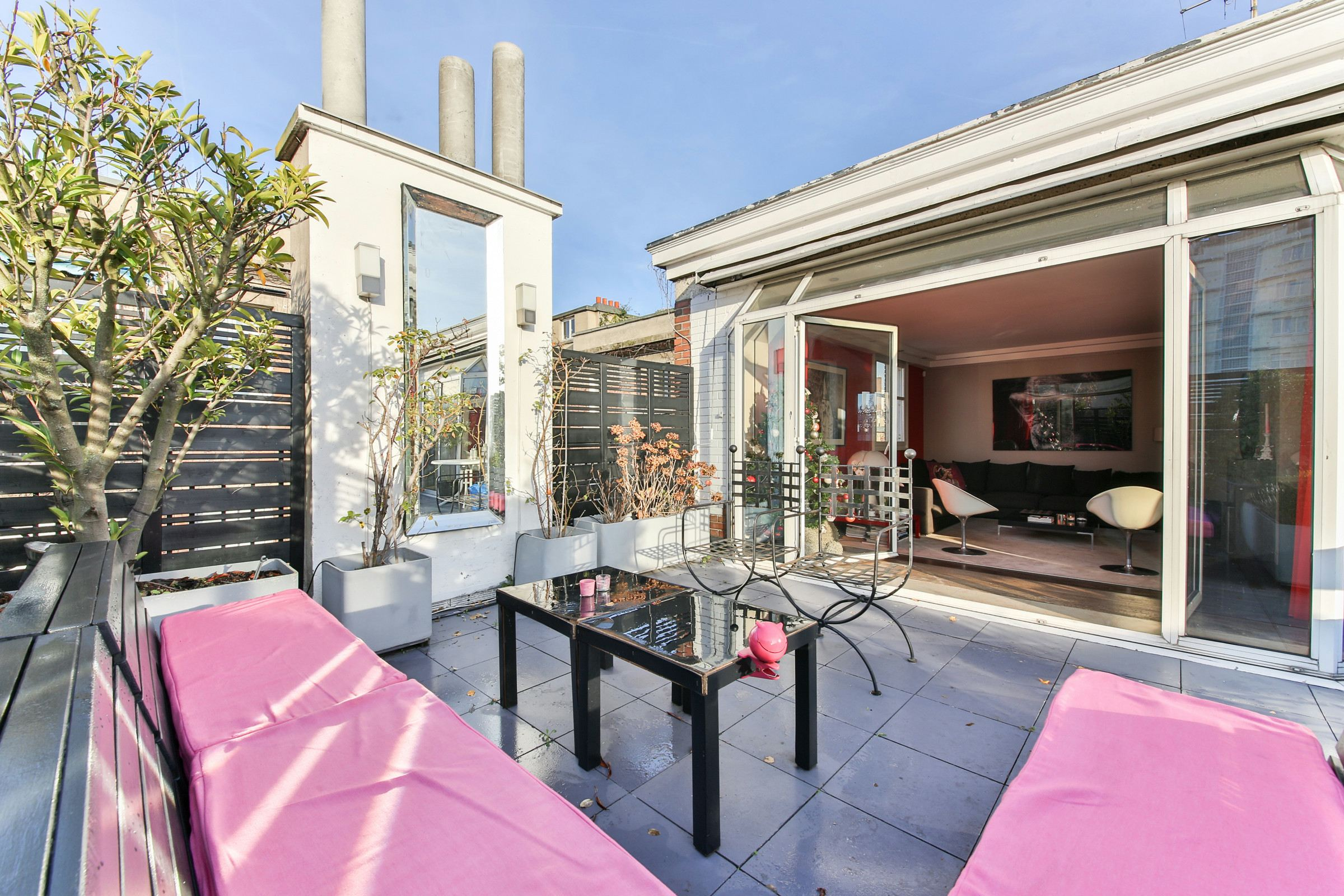 Property For Sale at Neuilly sur Seine - Saint James - A 200 sq.m duplex avec terrasse