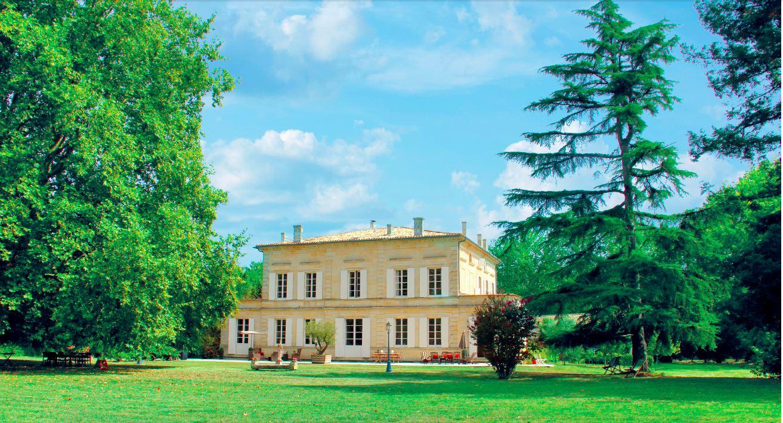 Casa Unifamiliar por un Venta en BORDEAUX - RIGHT BANK - STUNNING WATERFRONT 30 ACRES - Bordeaux, Aquitania, 33000 Francia
