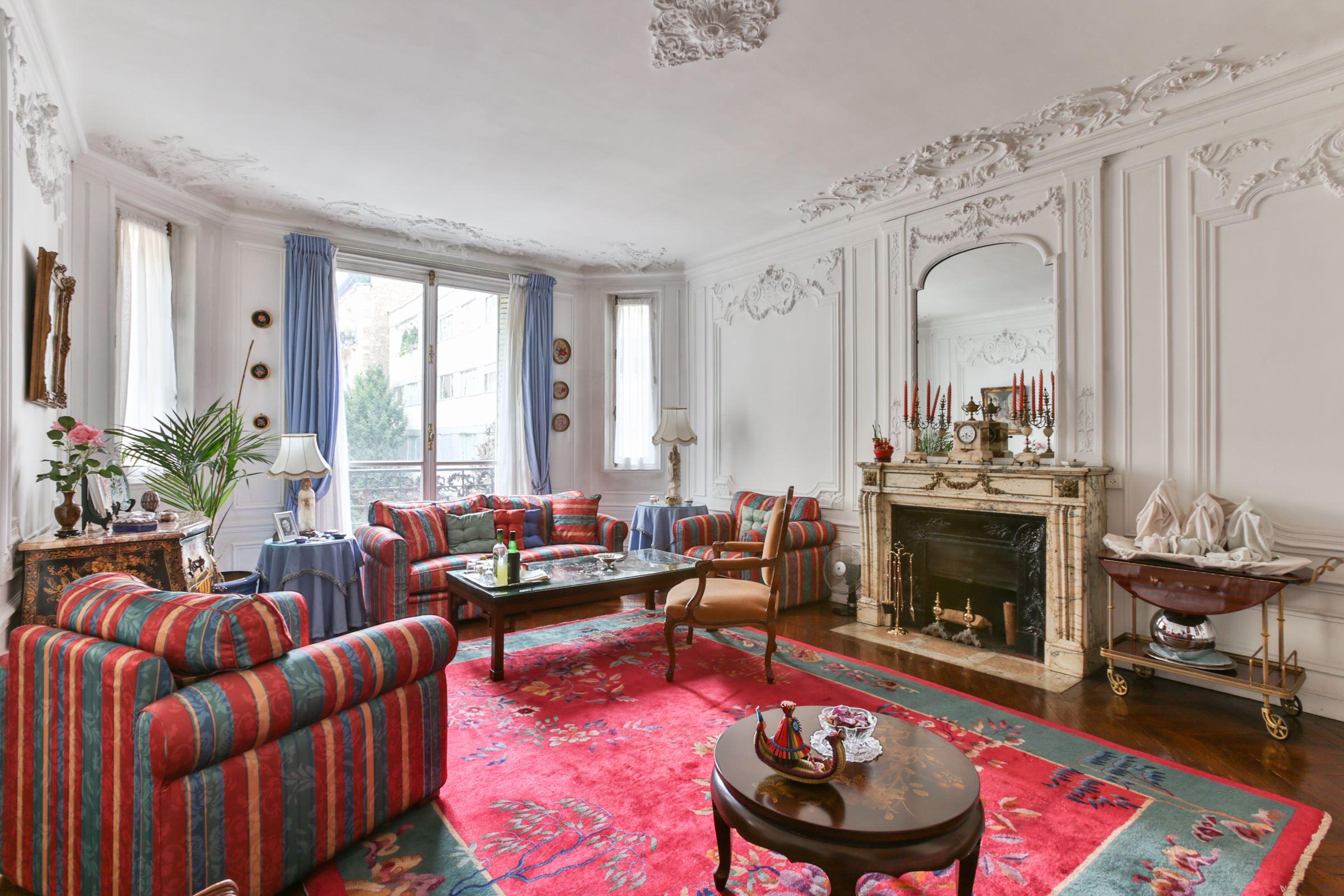 아파트 용 매매 에 Paris 16 - Spontini Longchamp. Apartment of 188 sq.m. Great volumes. Paris, 파리 75116 프랑스