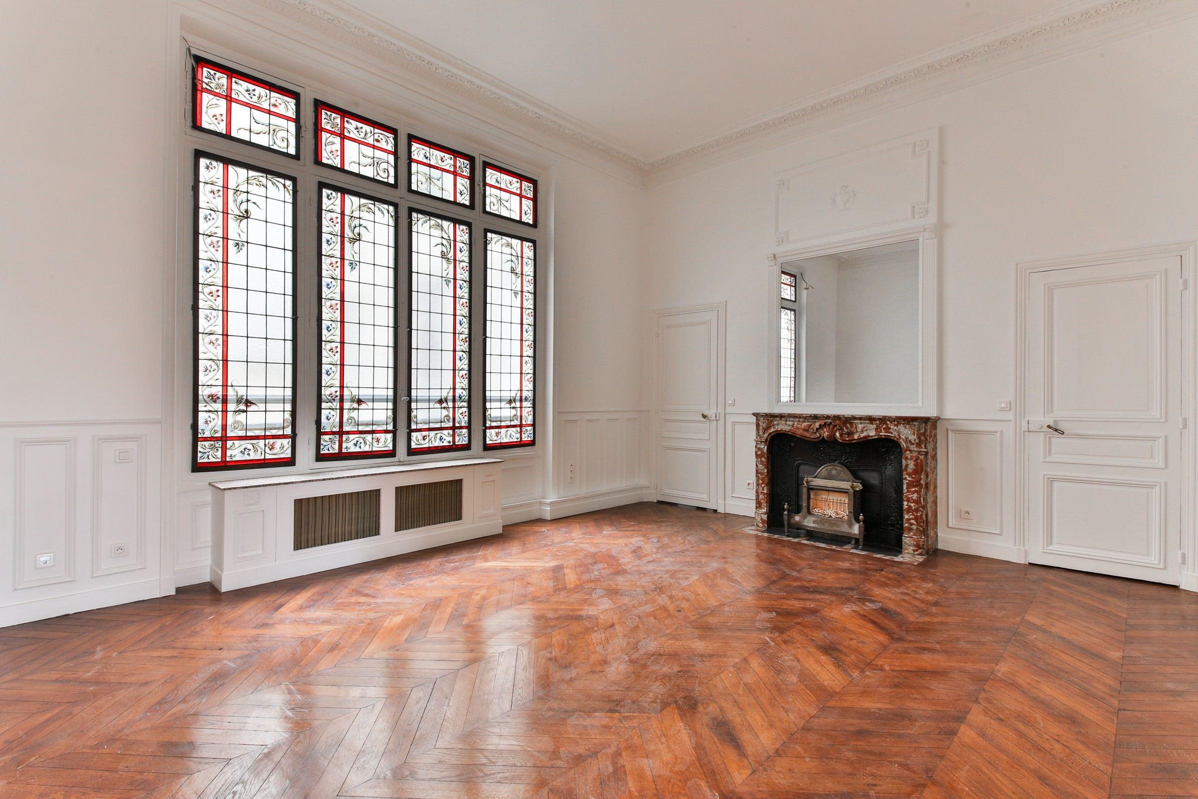 Apartamento por un Venta en Paris 16 - A 290 sq.m apartment. Eiffel Tower view Paris, Paris 75016 Francia