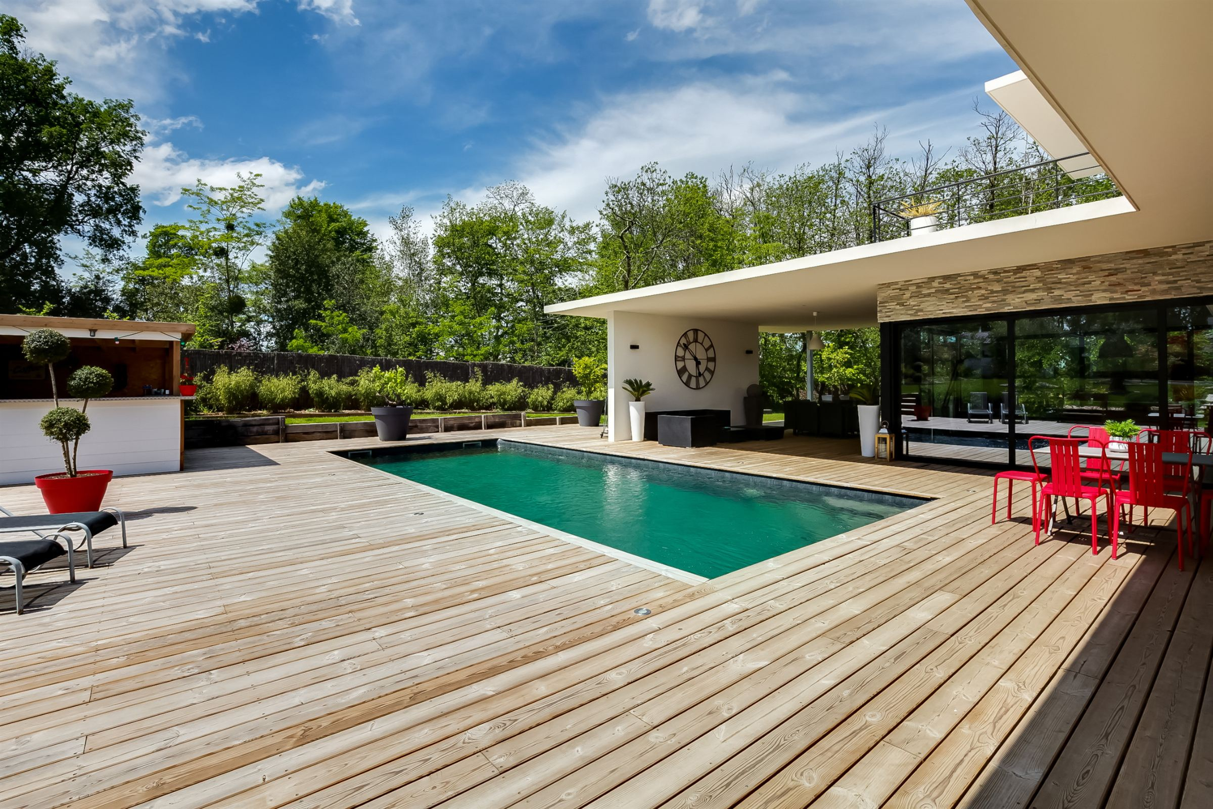 Single Family Home for Sale at BOULIAC LOVELY ARCHITECT HOME IN A LANDSCAPED GARDEN Bordeaux, Aquitaine, 33000 France