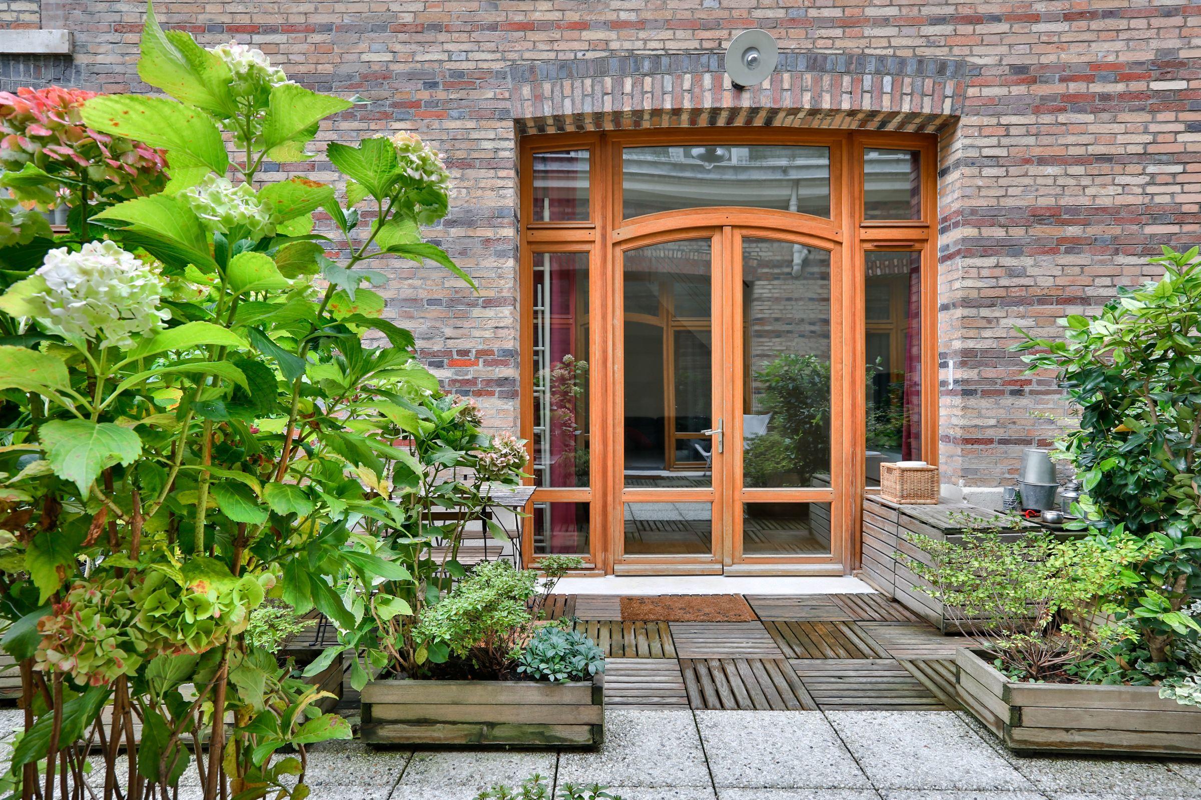 Maison unifamiliale pour l Vente à Paris 8 - Monceau. Townhouse of 48 sq.m + terrace. Paris, Paris, 75008 France