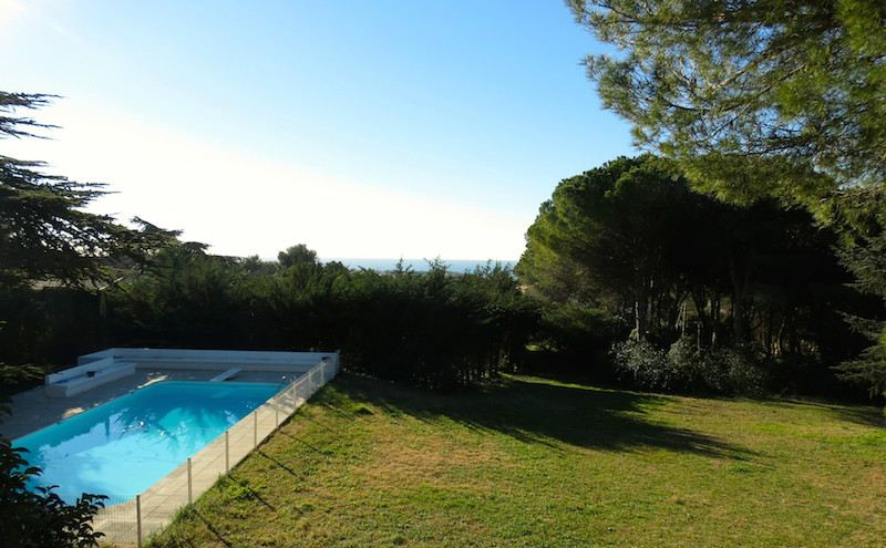 sales property at GORGEOUS PROPERTY ON THE MONT ST CLAIR-SETE