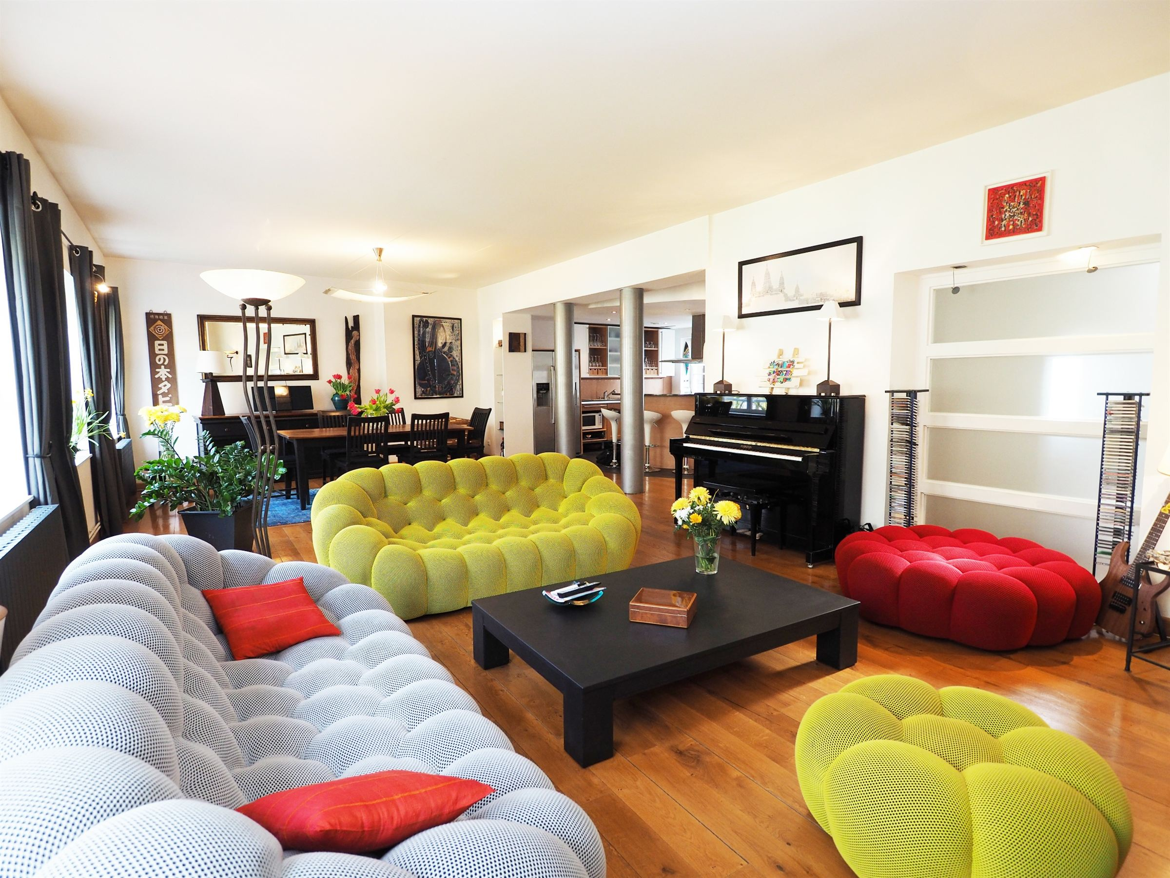 sales property at VIEUX LILLE, 220sqm Triplex flat with 4 bedrooms.