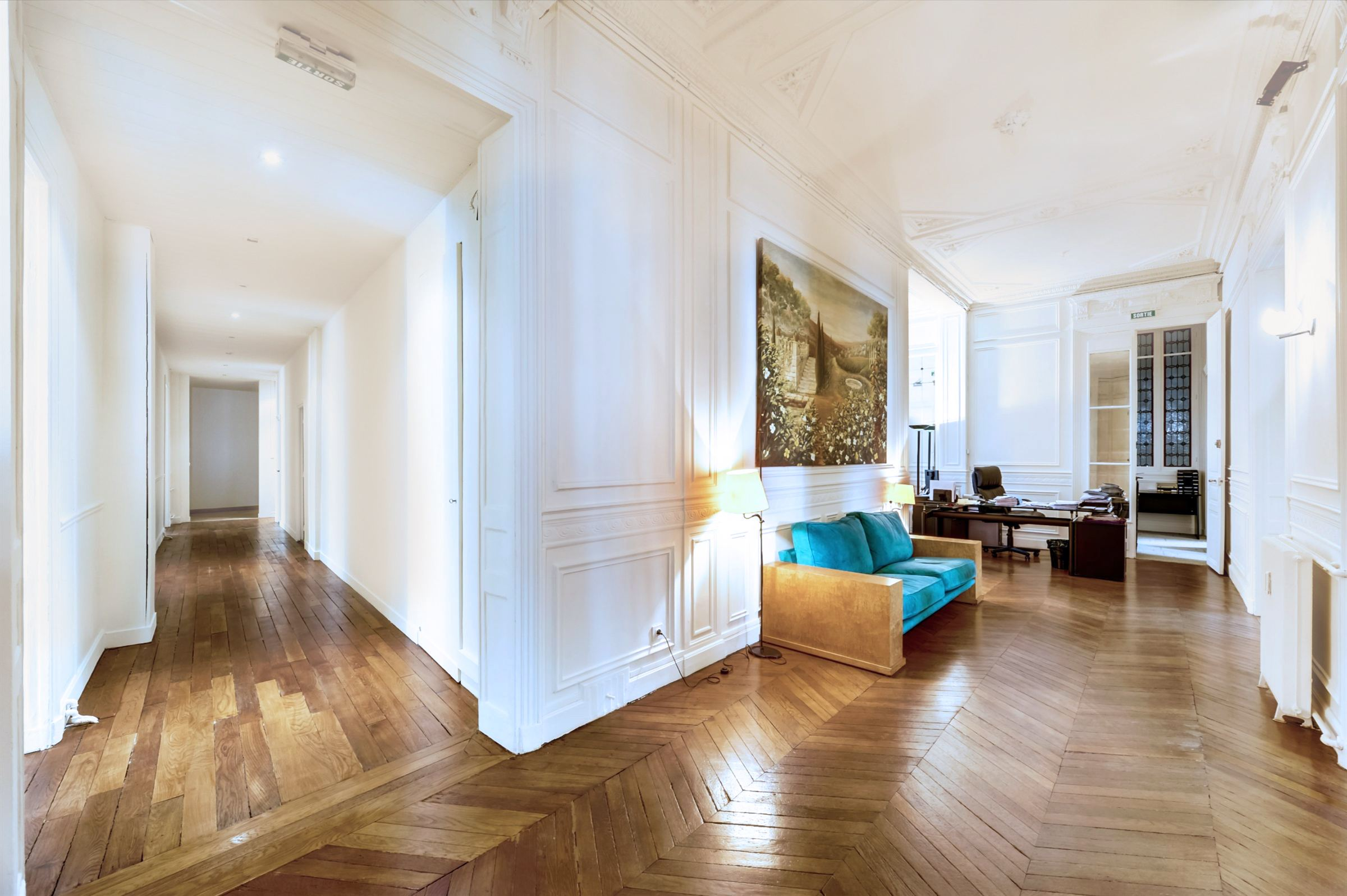 sales property at Apartment with lovely high ceiling for sale in Paris 16th - Triangle d'Or