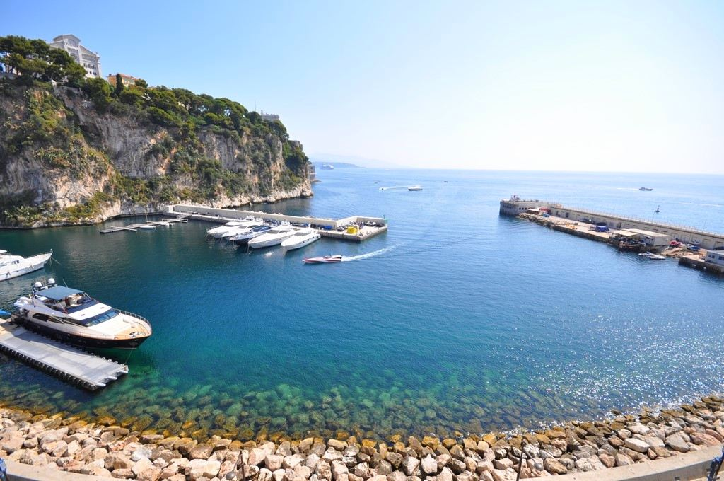 아파트 용 매매 에 Superb Waterfront Duplex apartment - Fontvieille. Other Monaco, Other Areas In Monaco, 98000 모나코