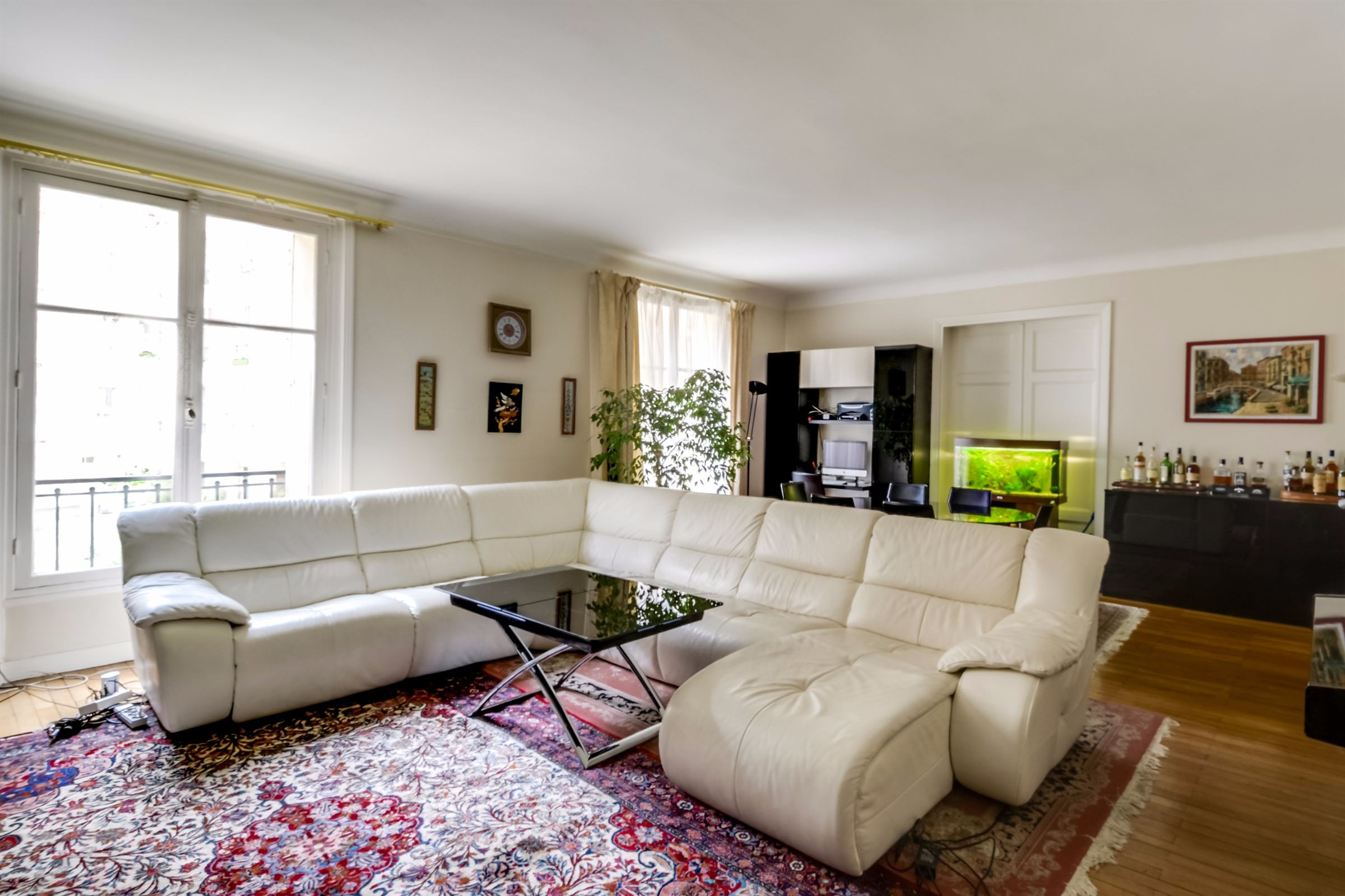 sales property at A 137 sq.m apartment for sale, Neuilly - Saint James, 5 bedrooms