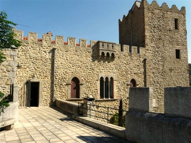 Casa para uma família para Venda às PERPIGNAN LOVELY CASTLE Perpignan, Languedoc-Roussillon 66000 França