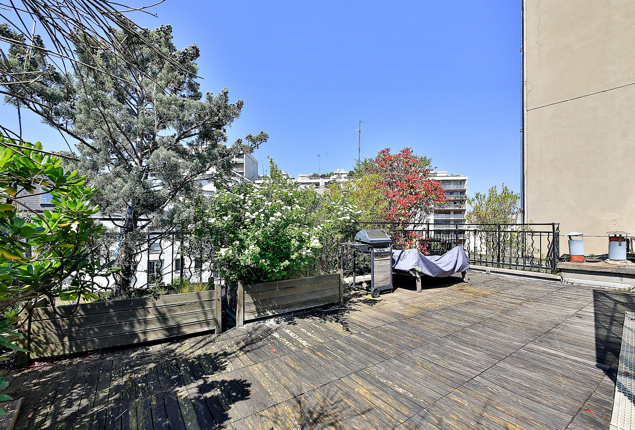 sales property at Twonhouse with a roof terrace, Paris 14 - Villa Seurat, 6 bedrooms