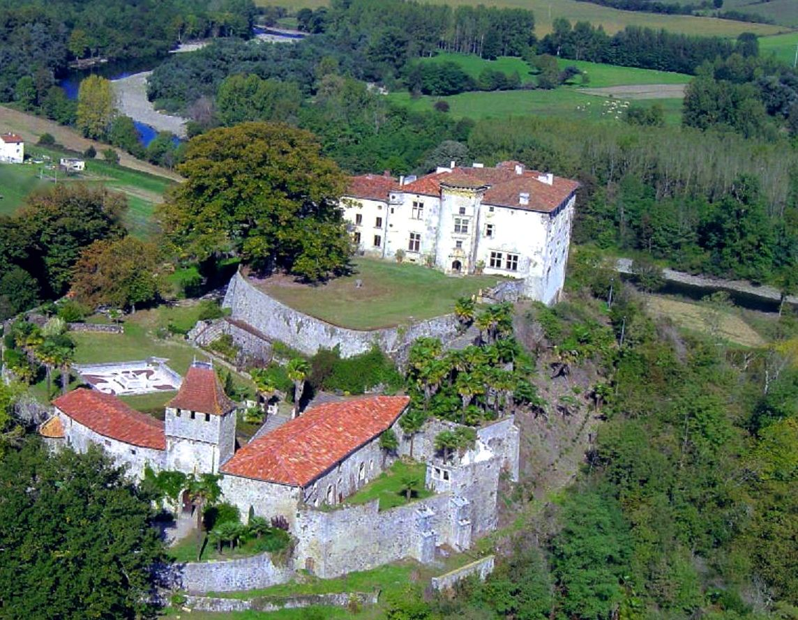 Property For Sale at LISTED CASTLE