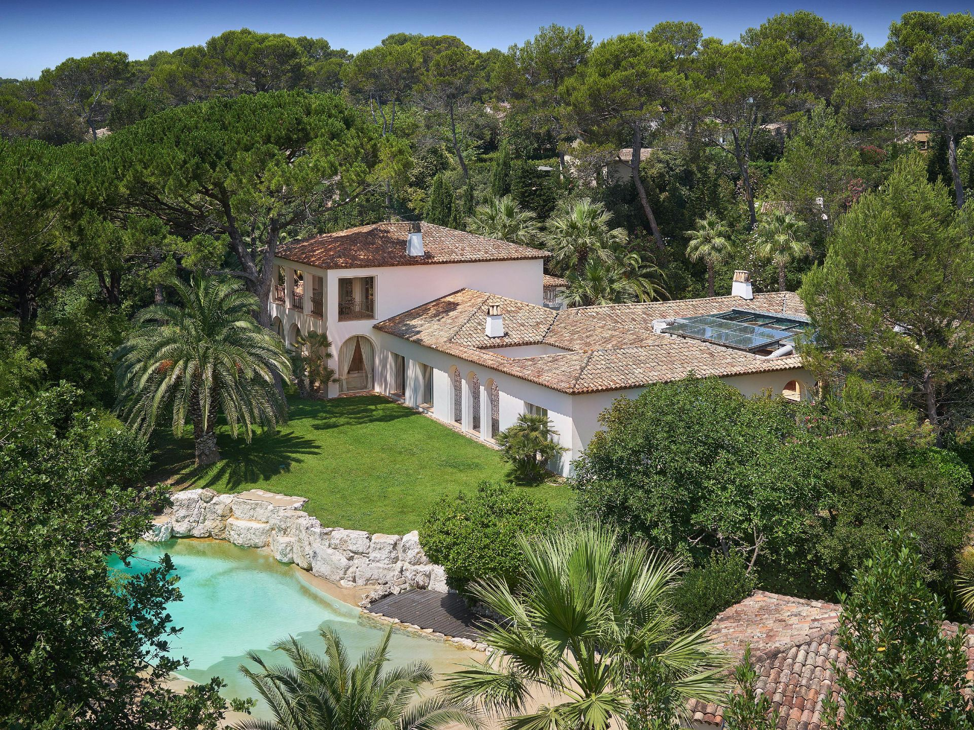 단독 가정 주택 용 매매 에 Villa of Hispanic - Moorish architecture on the golf course of Cannes Mougins Mougins, 프로벤스 앞ㄹ프스 코테 D'Azur, 06250 프랑스