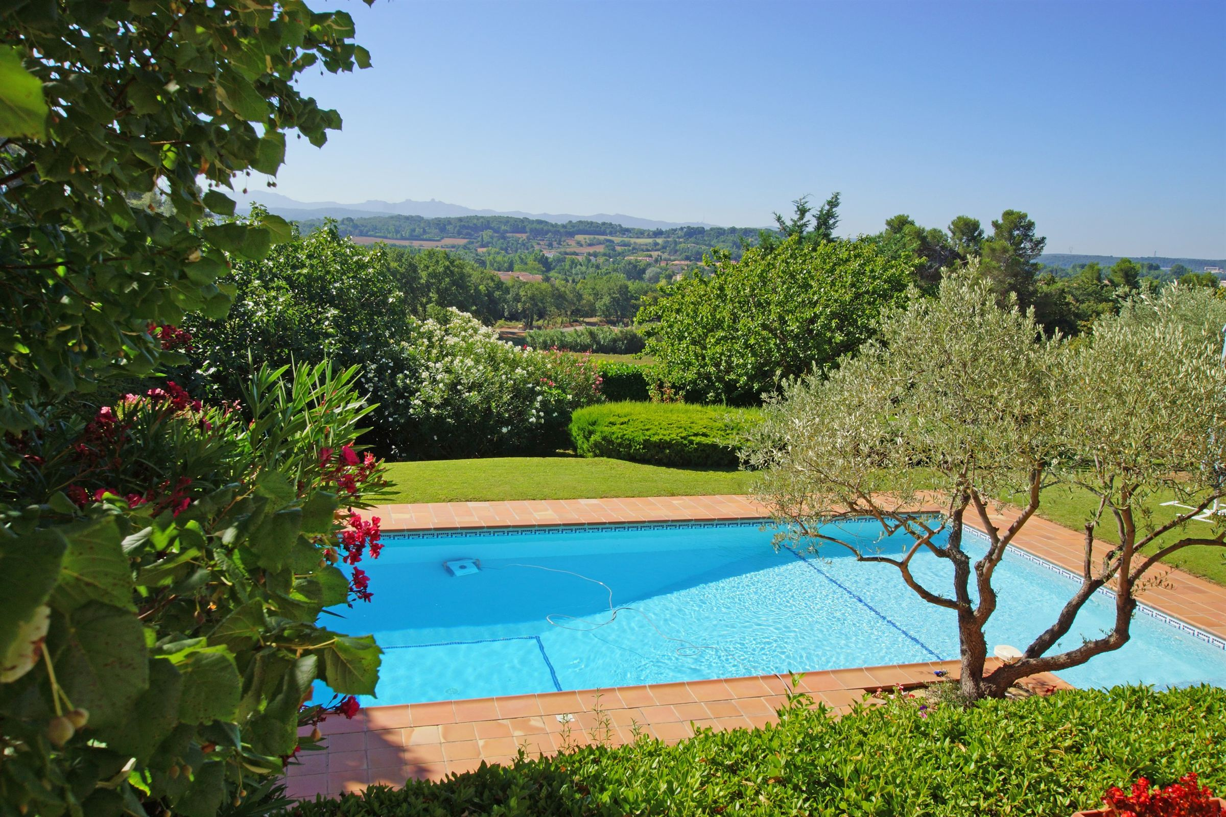 Single Family Home for Sale at House Other Provence-Alpes-Cote D'Azur, Provence-Alpes-Cote D'Azur, 13090 France