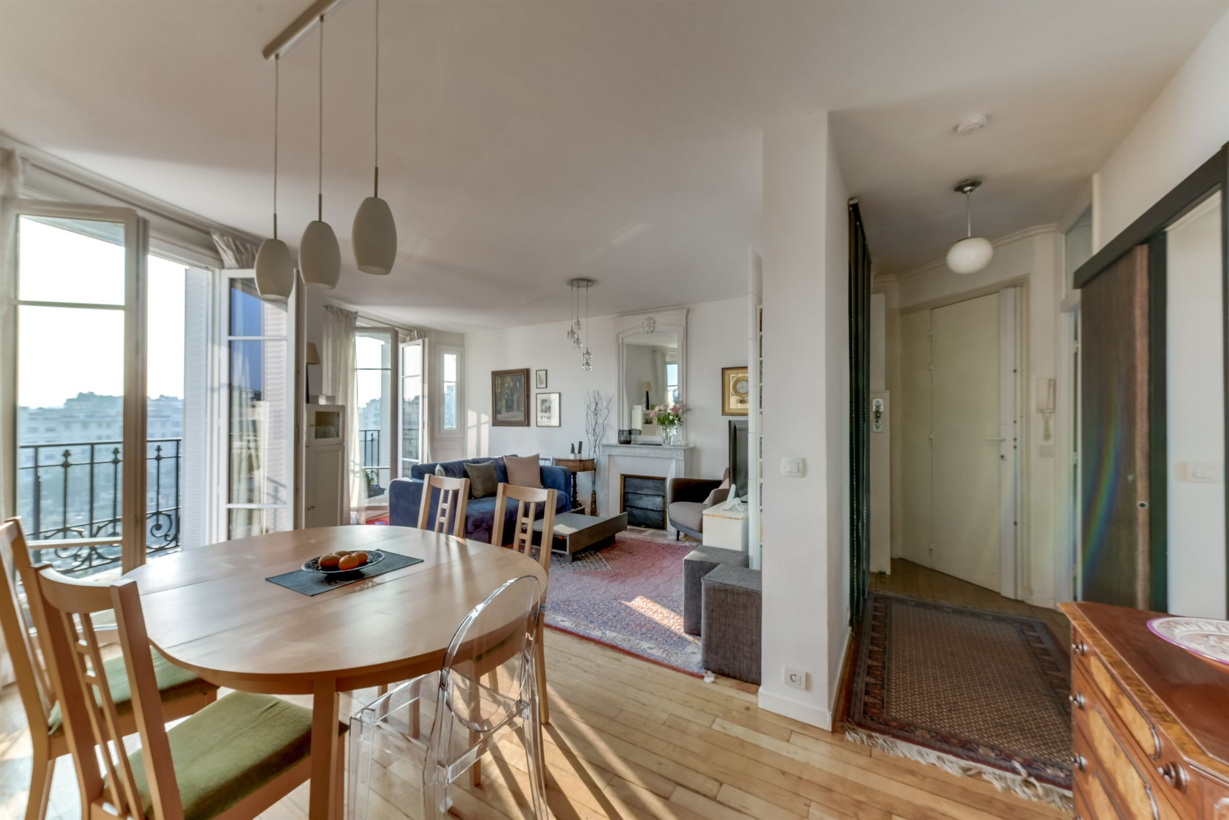 sales property at Vente Appartement 70 m² Neuilly - Pont de Neuilly, 2 chambres.