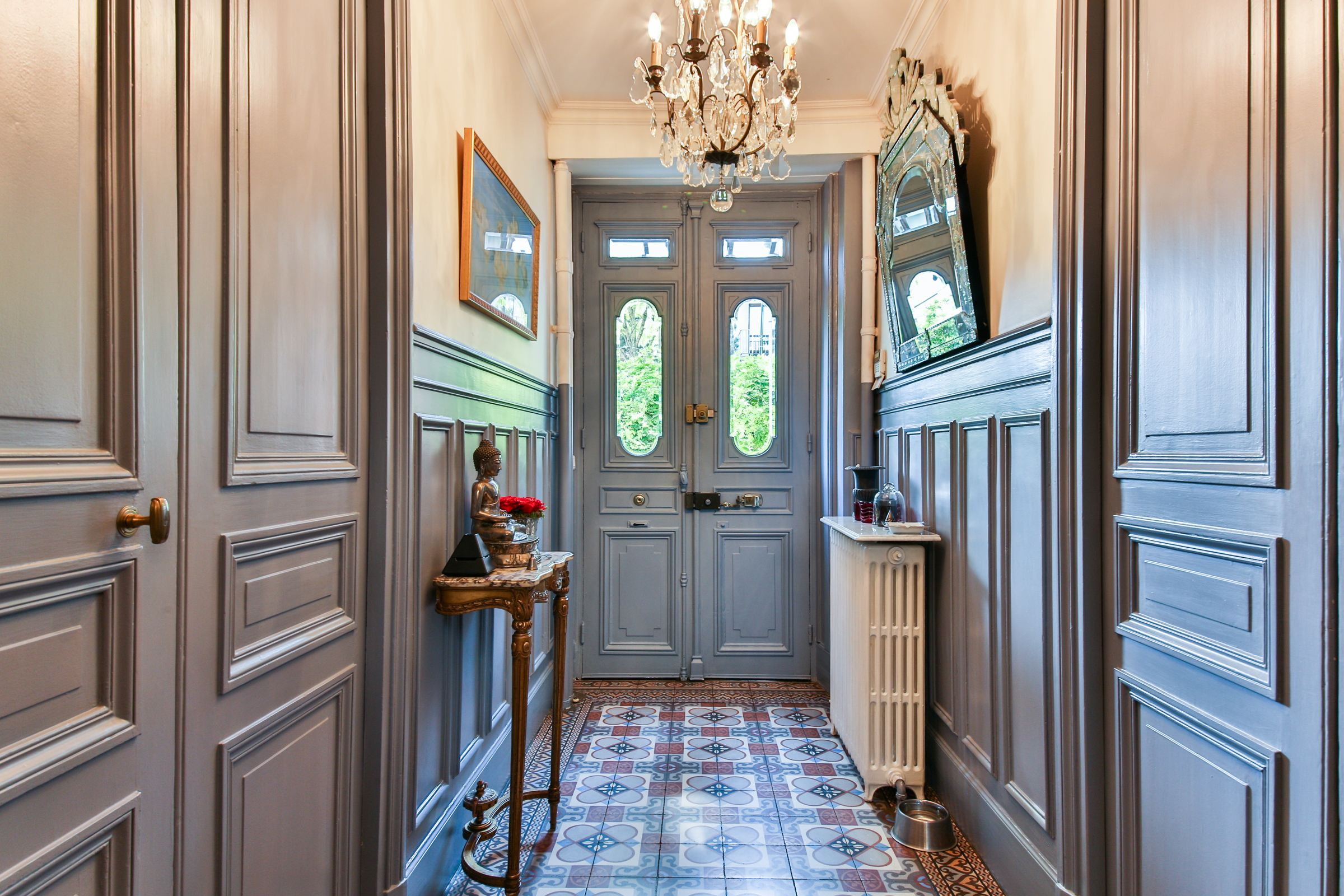 Property For Sale at Rueil Malmaison. Private Mansion of 300 sq.m and a landscaped land of 500 sq.m