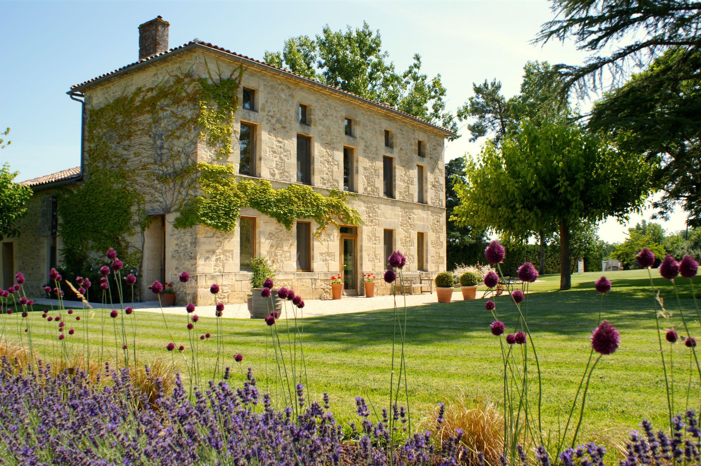 sales property at BORDEAUX - 50 MN - SPLENDID TWO MANSION ESTATE IN A BUCOLIC SETTING