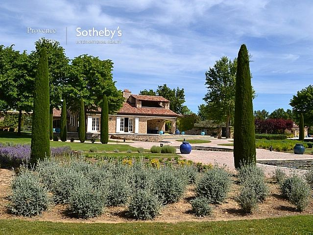 Single Family Home for Sale at EXCLUSIVELY UP FOR SALE: BEAUTIFUL ESTATE Artignosc Sur Verdon, Provence-Alpes-Cote D'Azur, 83630 France