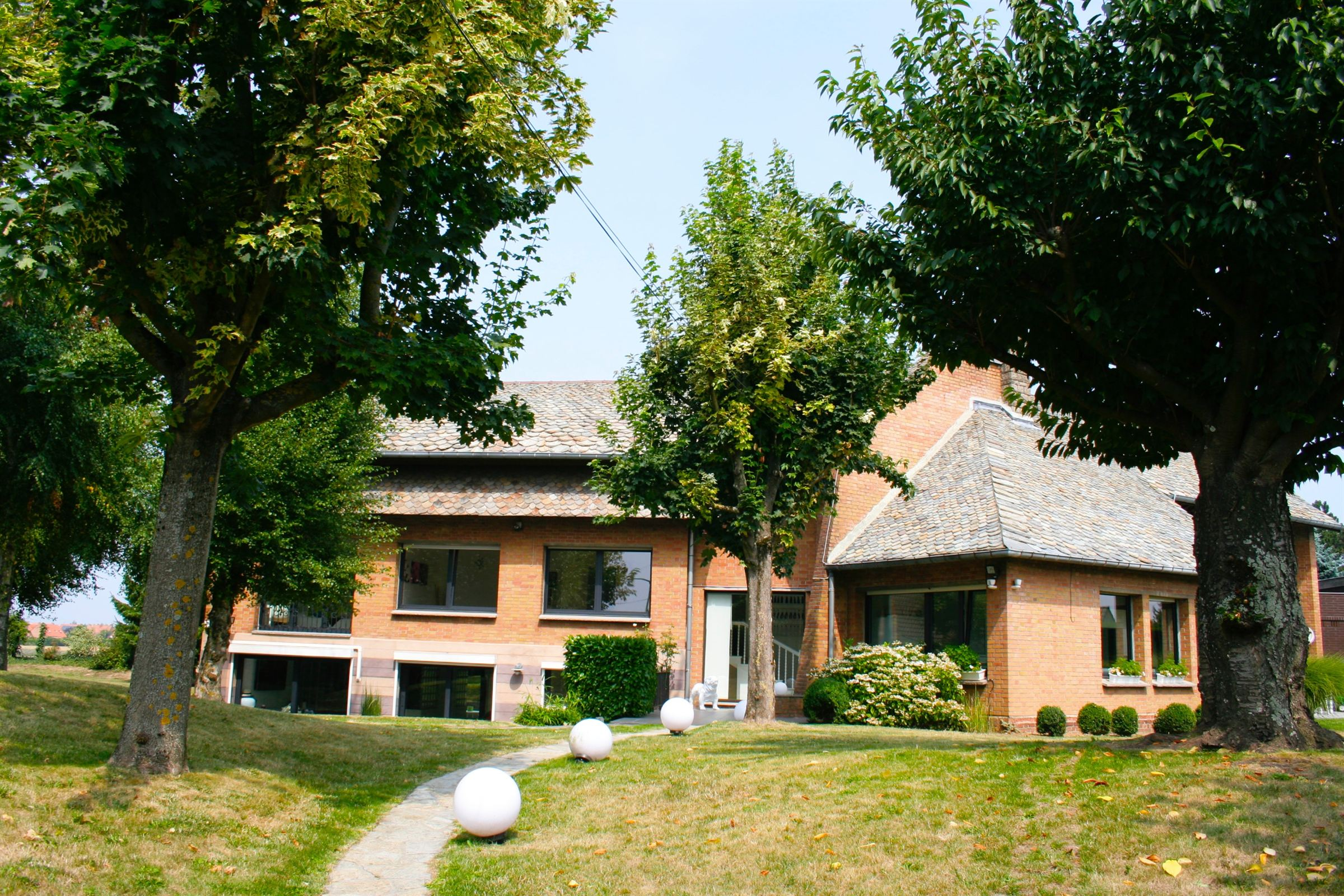 Property For Sale at LESQUIN architectural villa 385 m2 hab. 5 beds