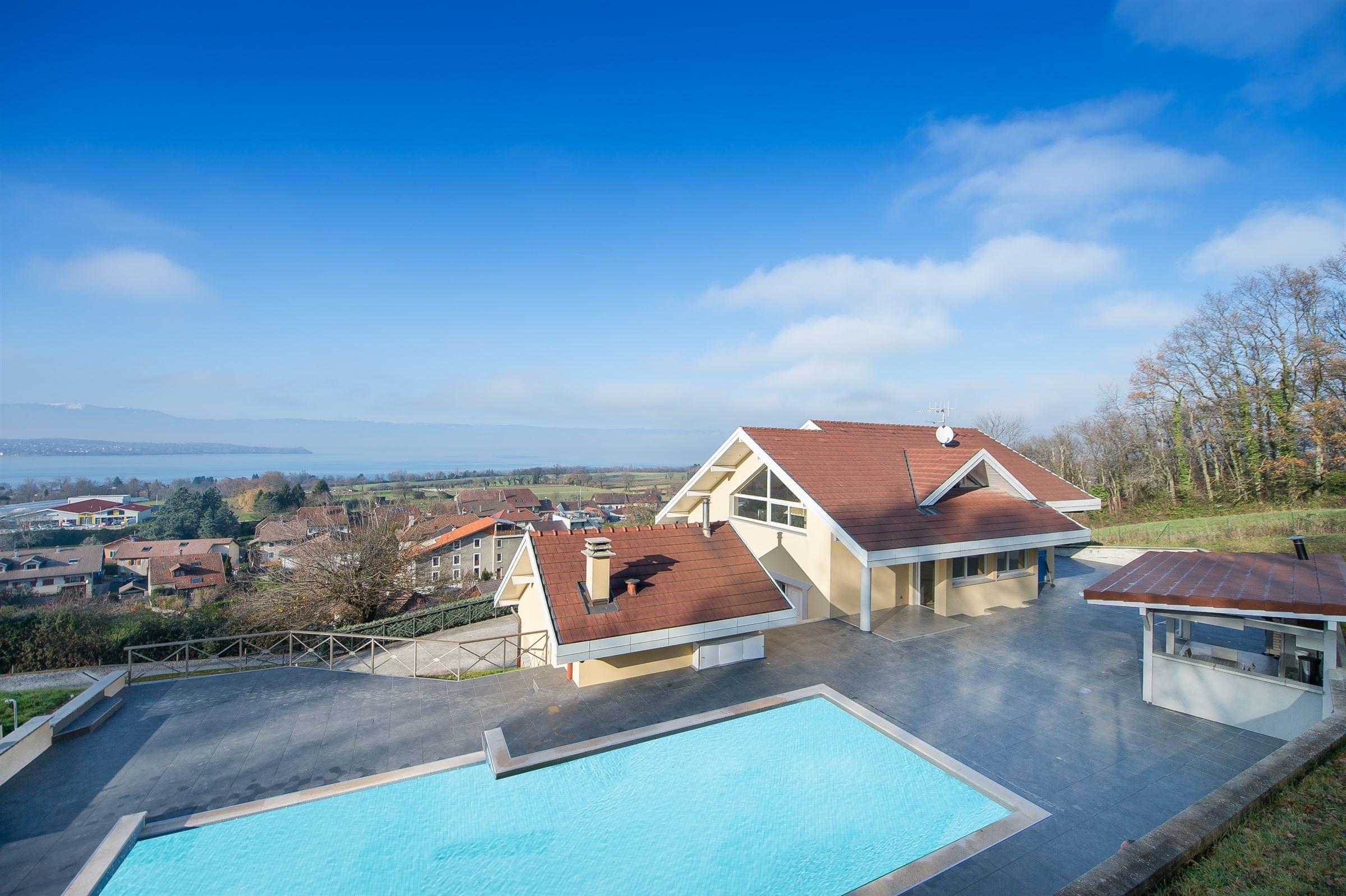 Nhà ở một gia đình vì Bán tại Villa 220 m2 + Pavillon 60 m2 + Abri voiture Sciez, Rhone-Alpes, 74140 Pháp