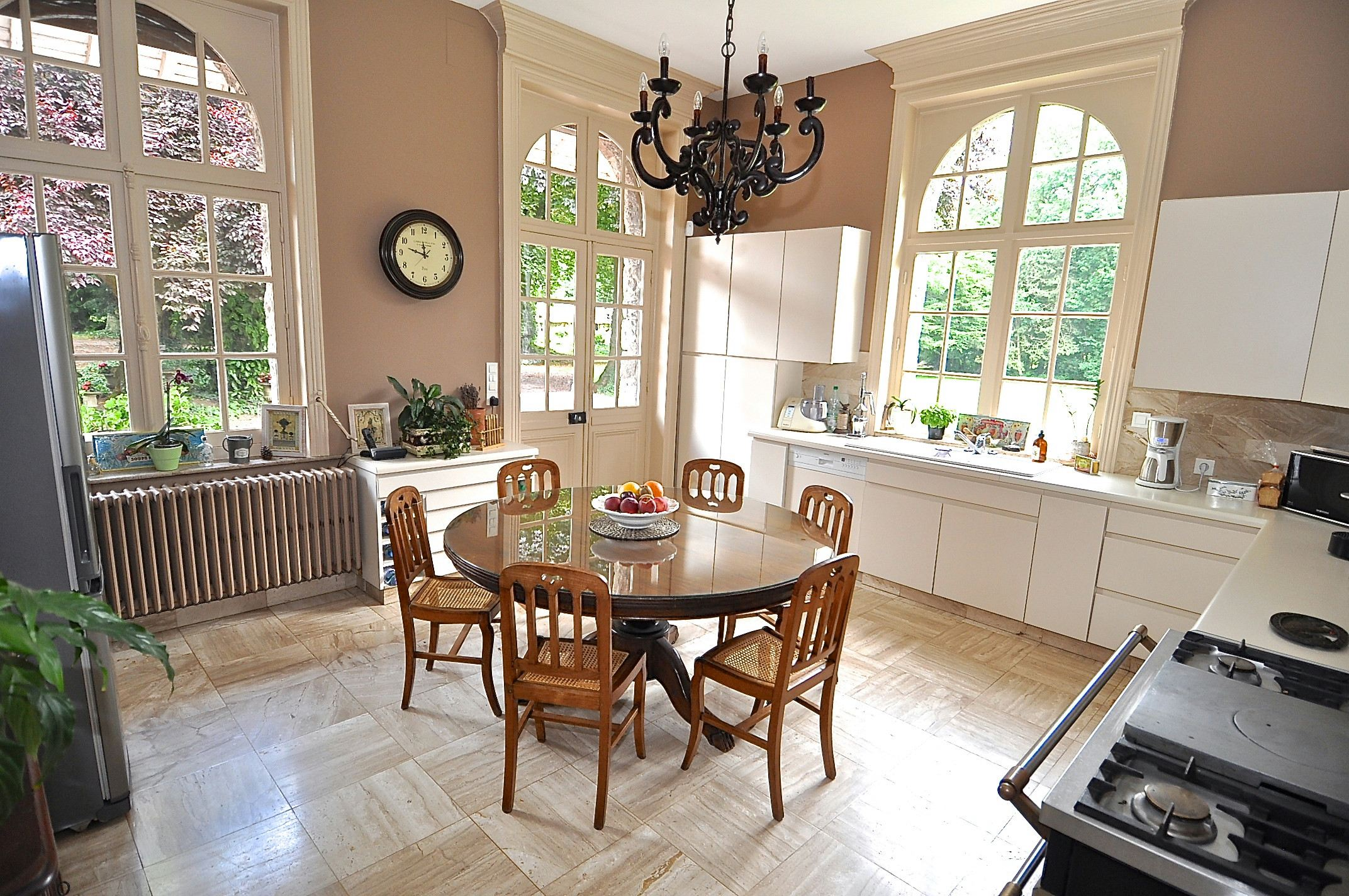 Property For Sale at VAULX-VRAUCOURT, Elegant Mansion 530m2, 11 beds