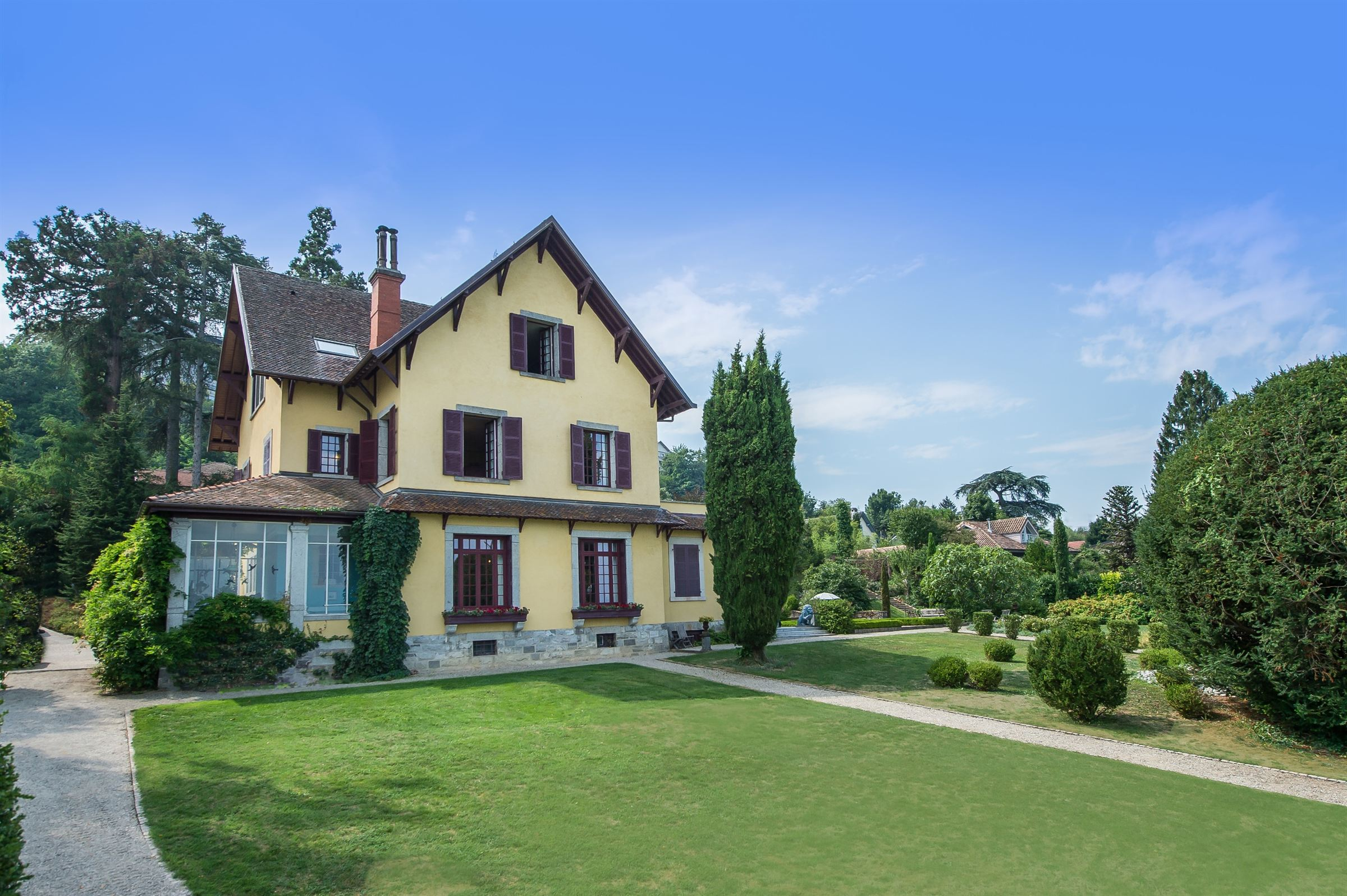 Single Family Home for Sale at EXCEPTIONAL LOCATION Thonon Les Bains, Rhone-Alpes, 74200 France
