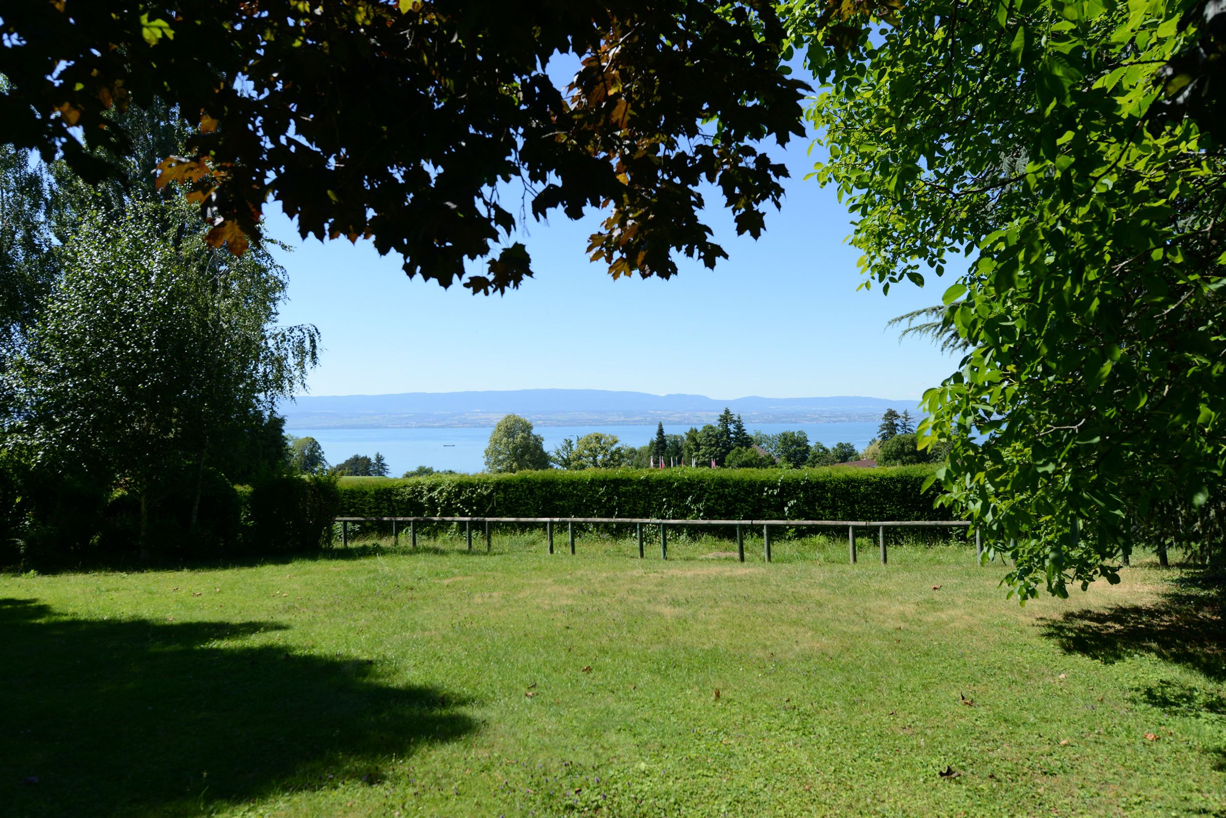 Property For Sale at Au coeur du golf d'Evian, sur plus de 2500 m2 de terrain une maison de 200 m2,