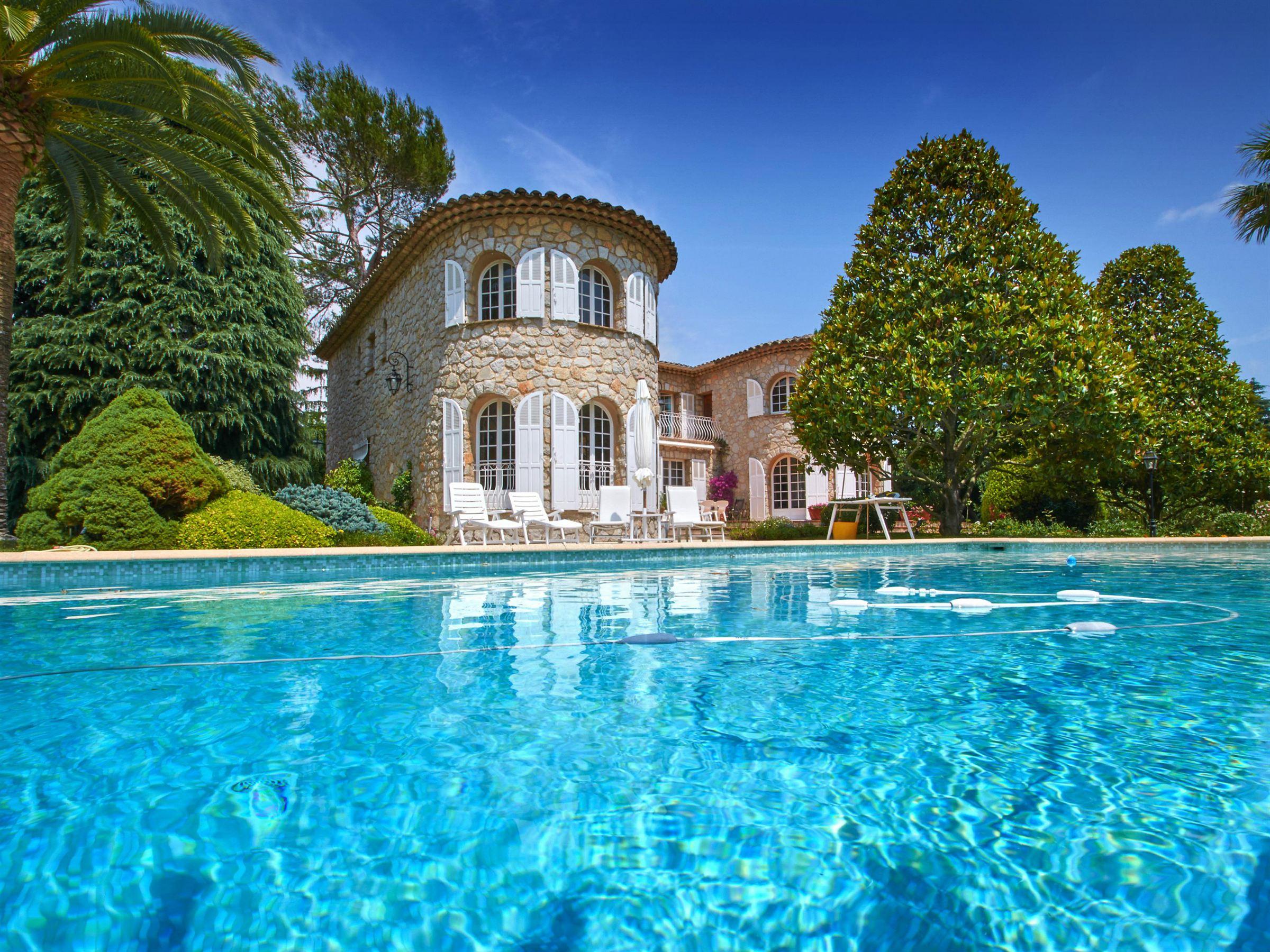 Einfamilienhaus für Verkauf beim Charming stone house in a private domain of Mougins Mougins, Provence-Alpes-Cote D'Azur, 06250 Frankreich