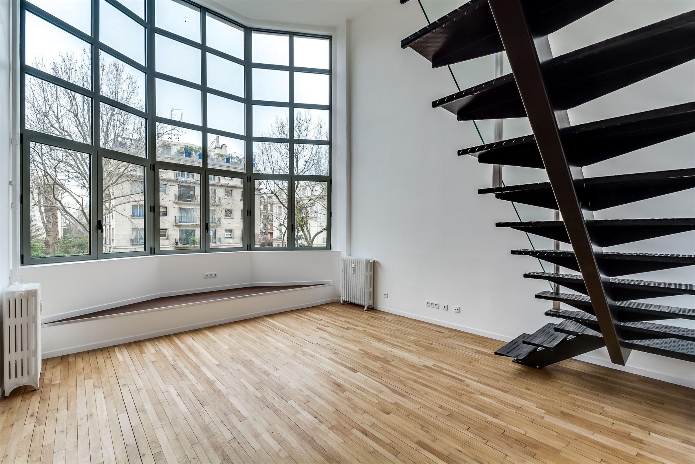 sales property at On sale refurbished duplex loft-like Paris 16 Jardin du Ranelagh
