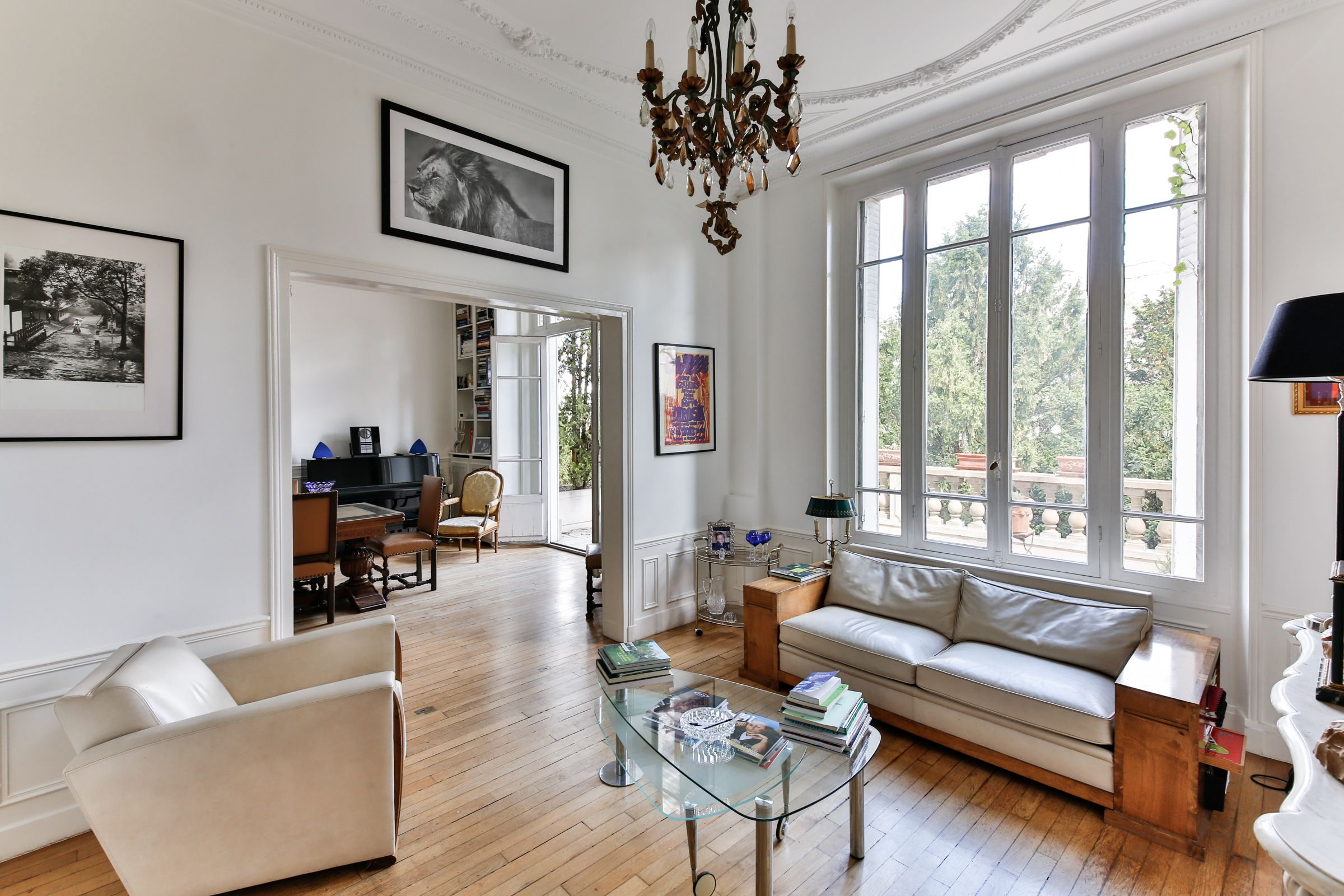 sales property at Wonderful Mansion with view on the Eiffel Tower, Suresnes Longchamp.