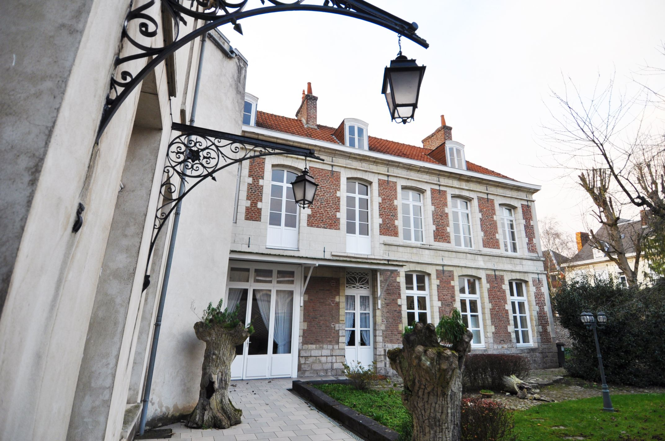 sales property at Douai Centre, Small townhouse 278 m² in very good condition