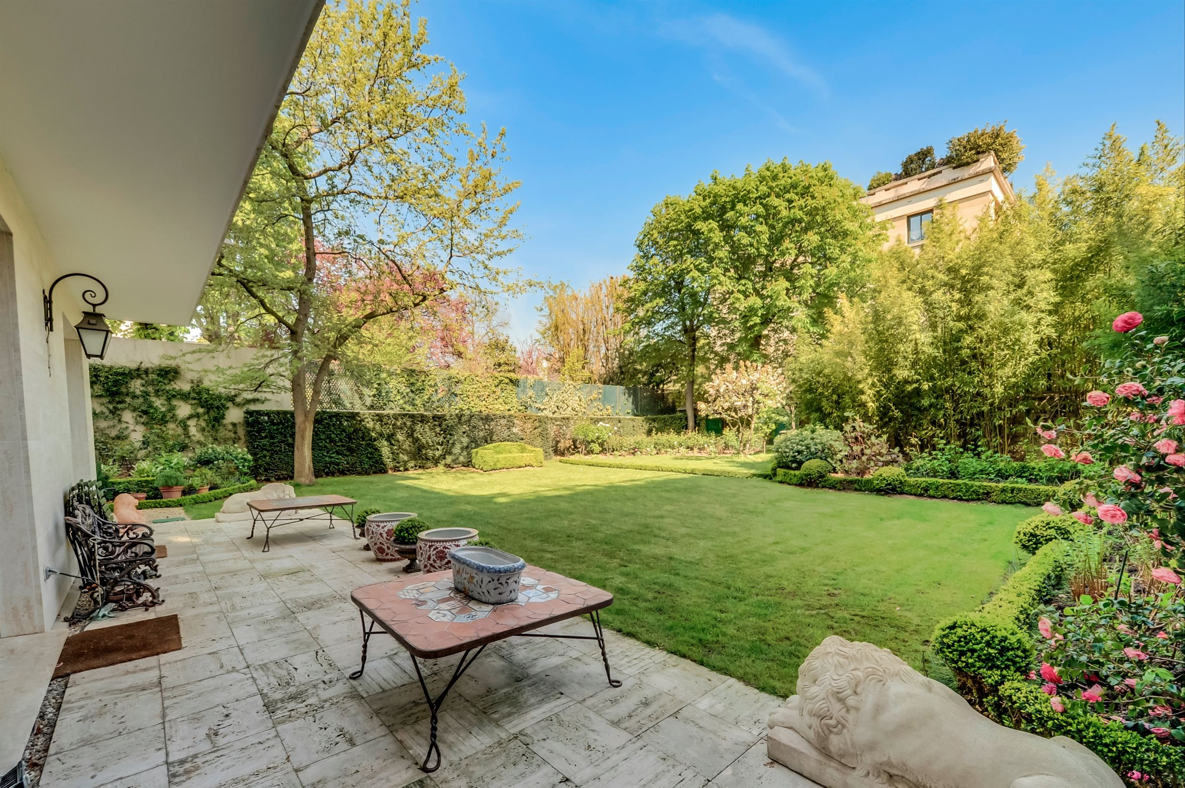 sales property at On sale apartment with a garden in Neuilly-sur-Seine - Saint-James