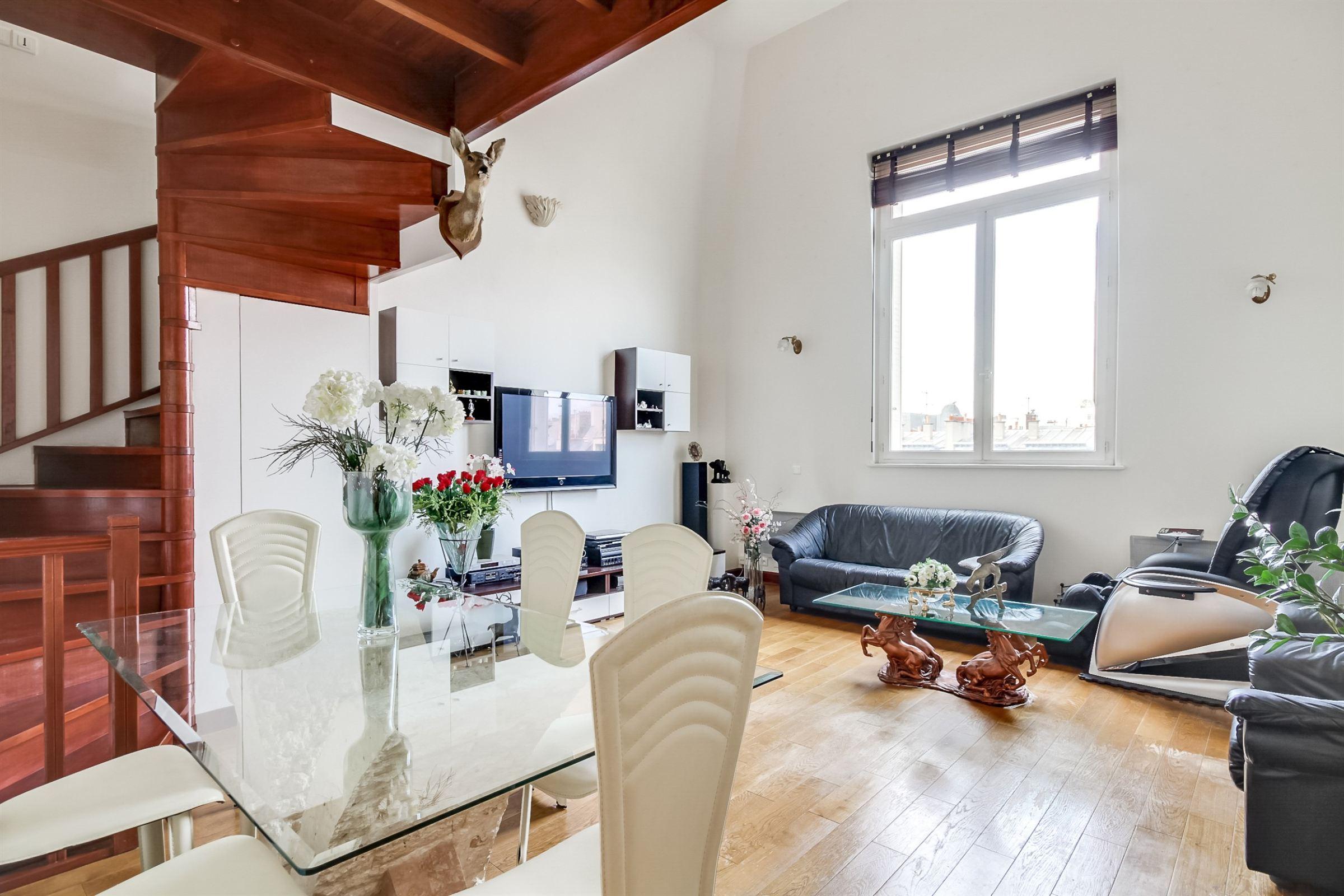 公寓 為 出售 在 Paris 16 - Kléber. Apartment 107 sq.m.. Top floor Paris, 巴黎 75116 法國
