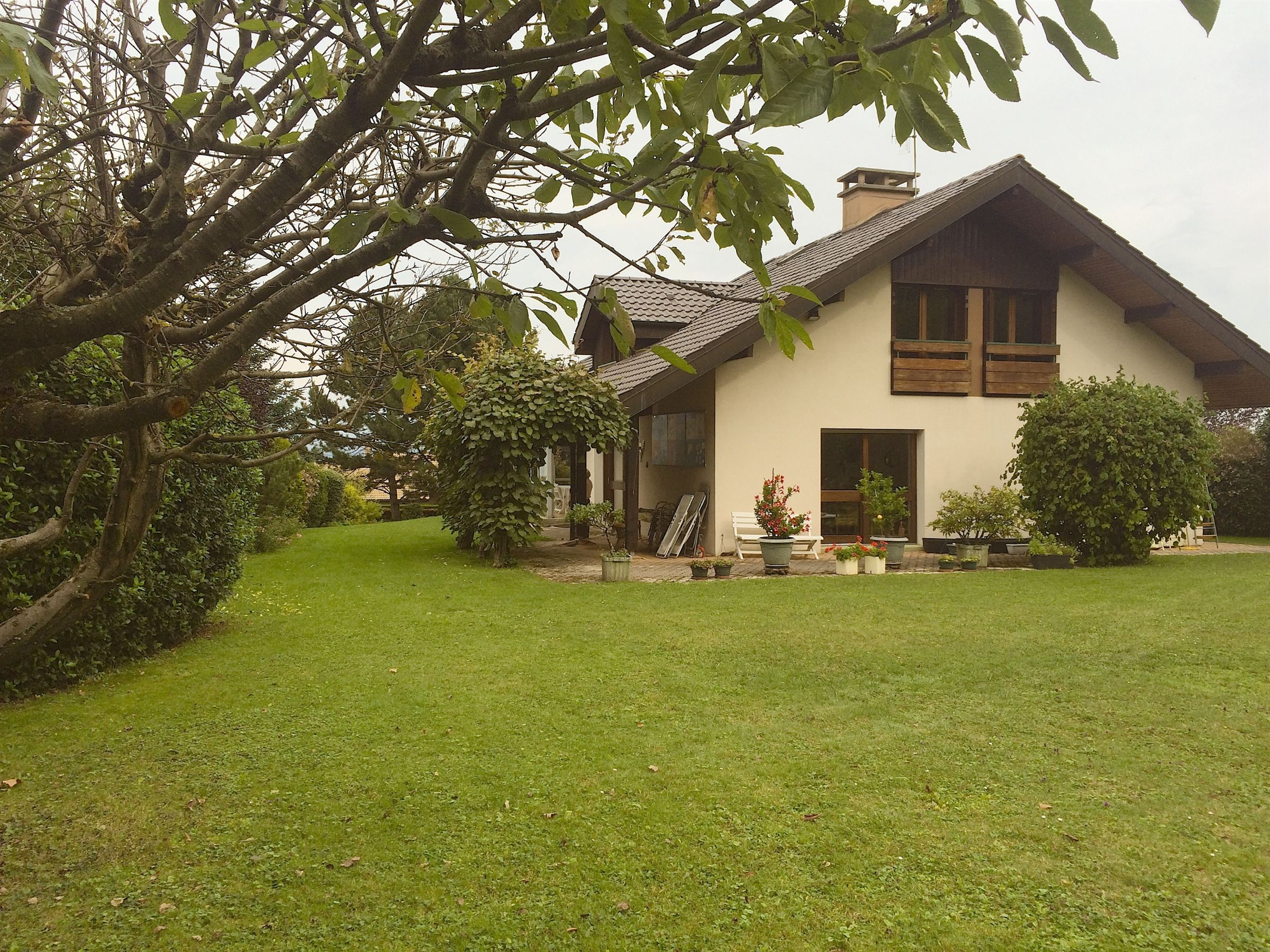 Single Family Home for Sale at Evian : villa on the golf Publier, Rhone-Alpes 74500 France