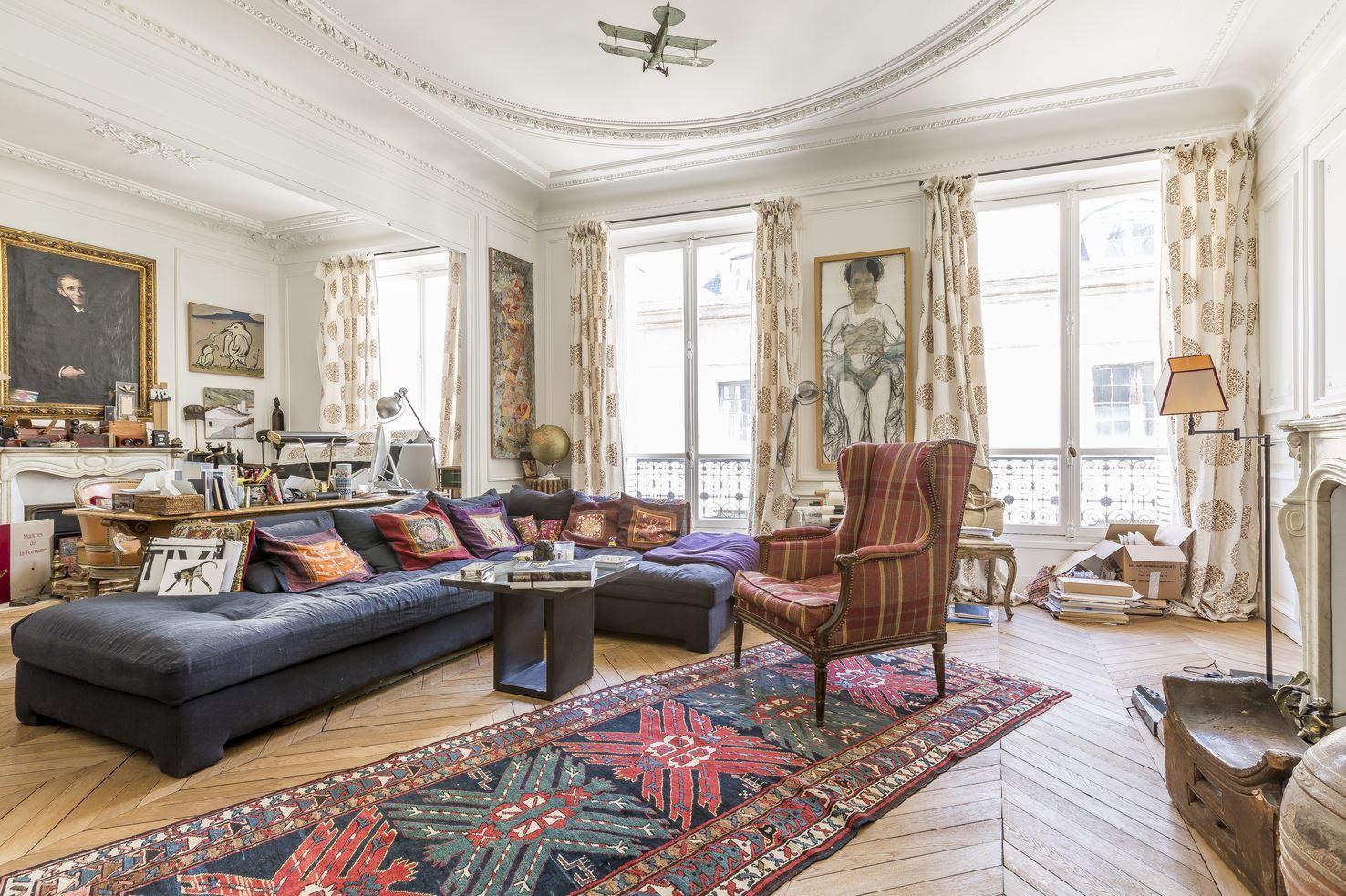Property For Sale at 75006 - Apartment for sale rue de Seine