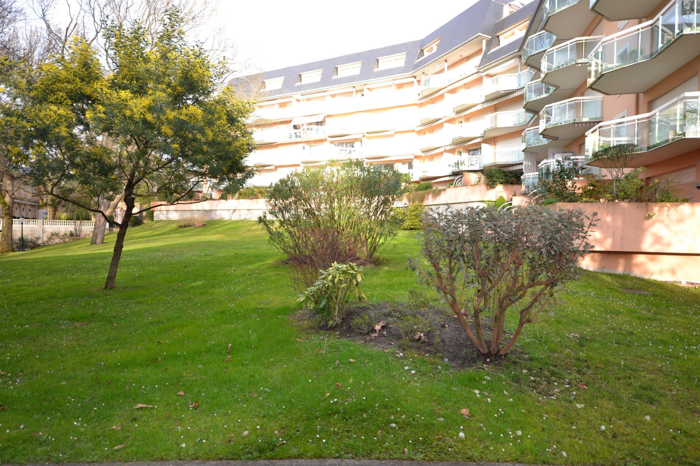 Квартира для того Продажа на BIARRITZ ST CHARLES Biarritz, Аквитания, 64200 Франция