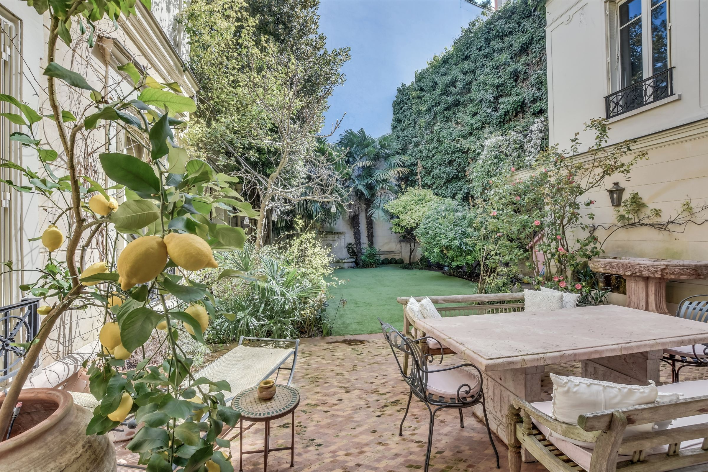 sales property at For sale sole agent Private Mansion in Paris 16 - Muette